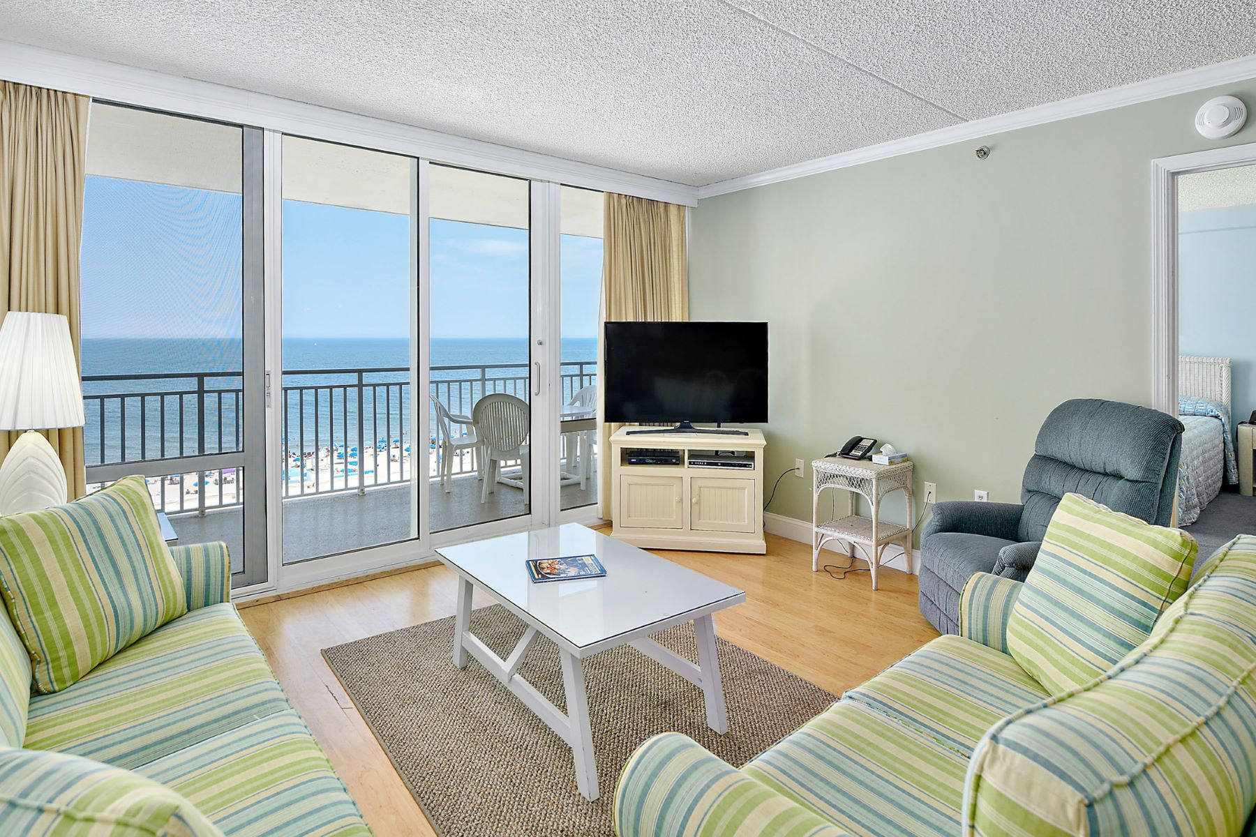Condominiums por un Venta en Carousel 11700 Coastal Highway 810 Ocean City, Maryland 21842 Estados Unidos