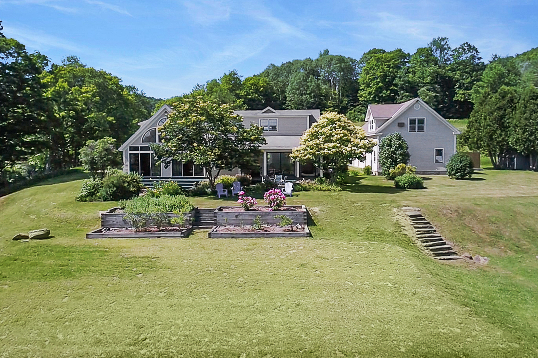 Single Family Home for Sale at 2280 Mill Road, Royalton 2280 Mill Rd Royalton, Vermont 05068 United States