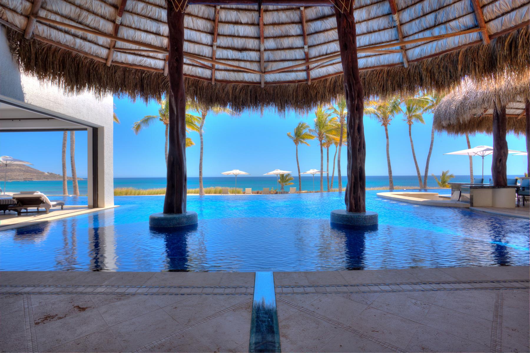 Single Family Homes 용 매매 에 Beach Front Casa Gran Sueño Bahía de los Sueños La Paz, Baja California Sur 23236 멕시코
