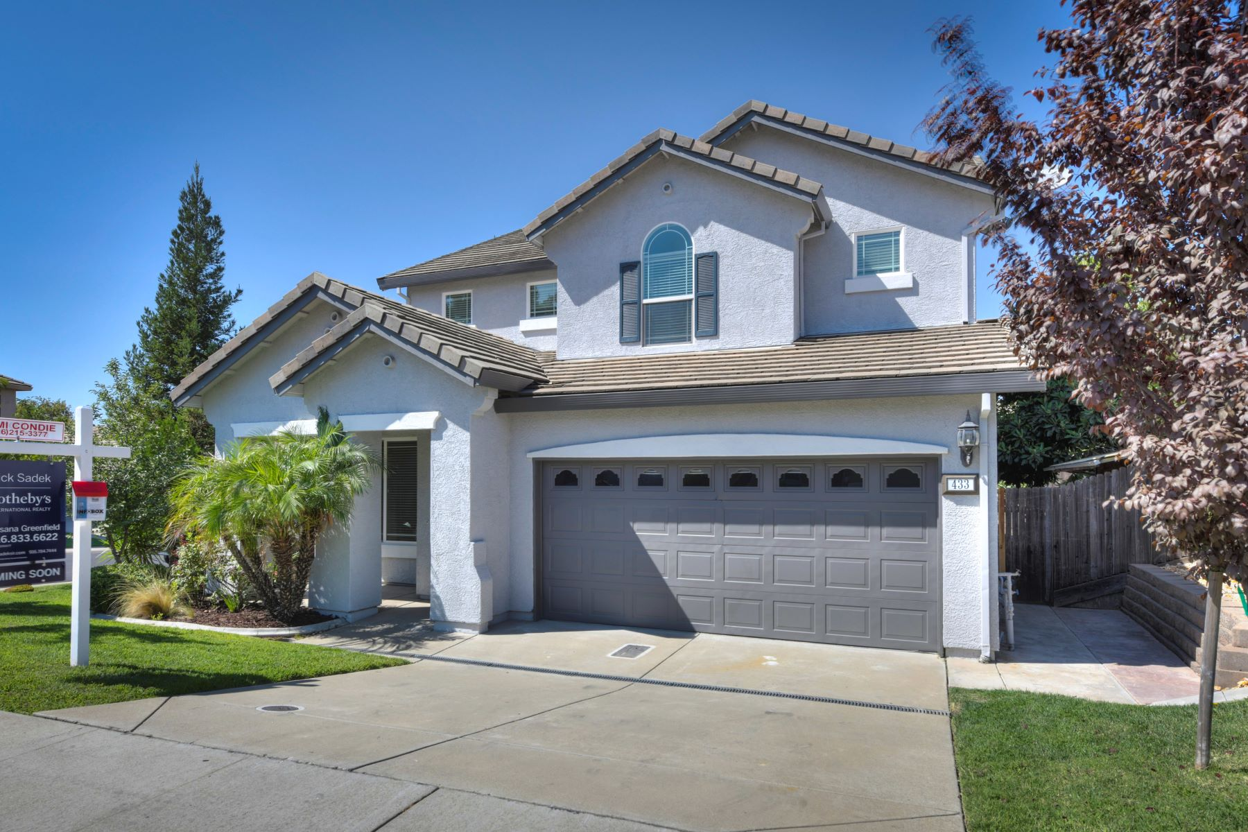 Single Family Home for Active at 433 Elmwood Ct, Roseville, CA 956787 433 Elmwood Ct Roseville, California 95678 United States