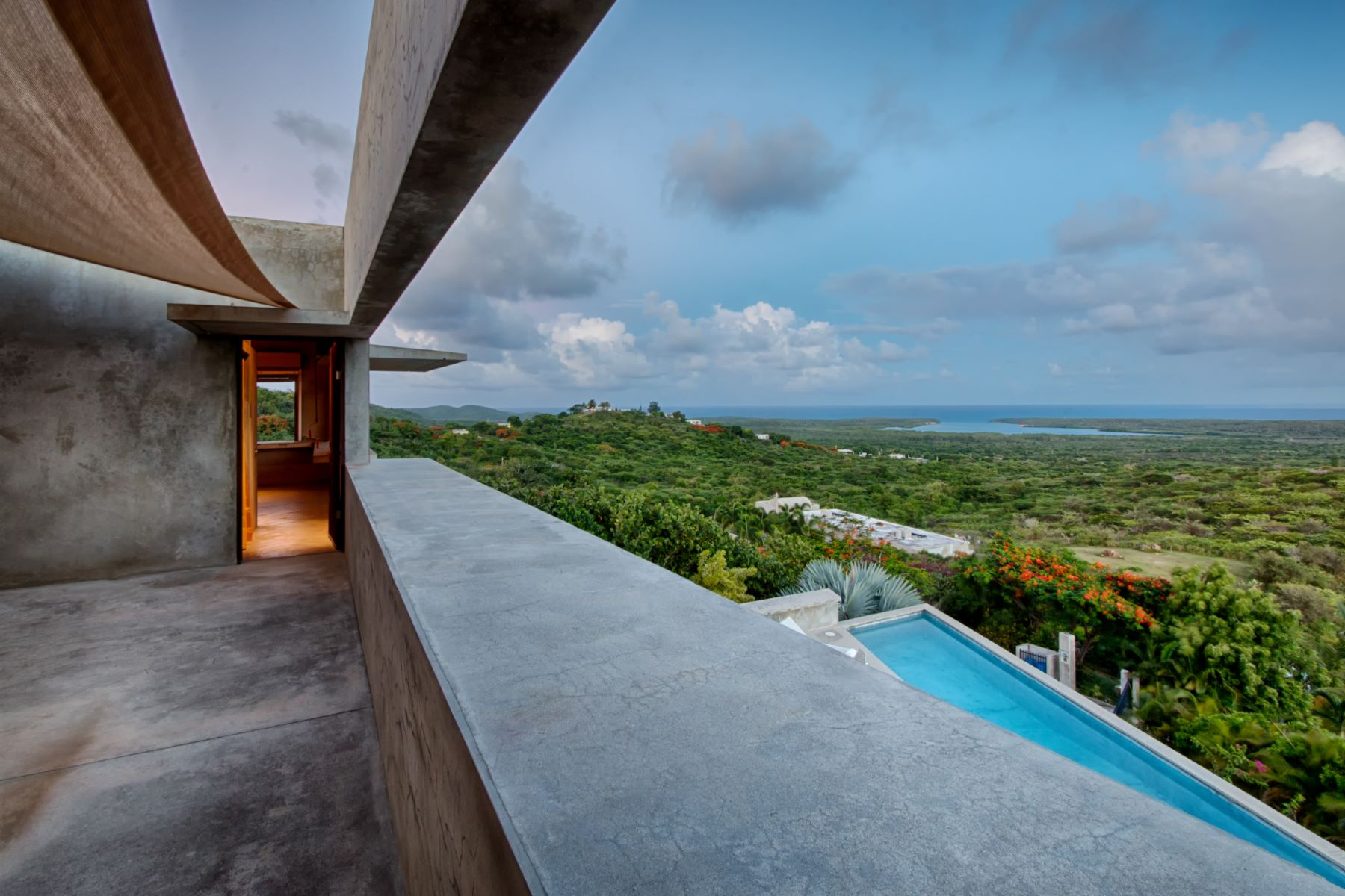 Additional photo for property listing at Bluffside Vieques Island Marvel KM 1.8, Carr 997 Puerto Real Vieques, 00765 Porto Rico