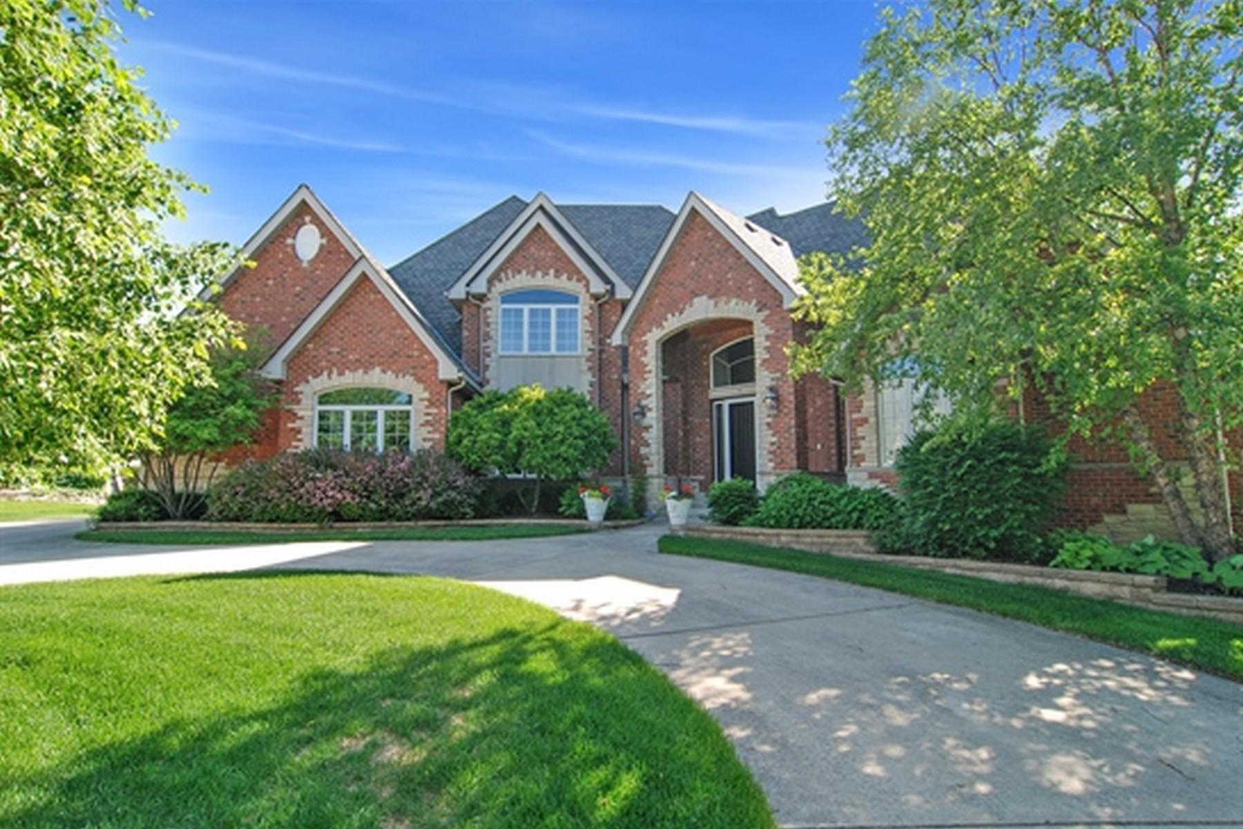 Casa Unifamiliar por un Venta en 8070 Greenbriar Ct Burr Ridge, Illinois, 60527 Estados Unidos