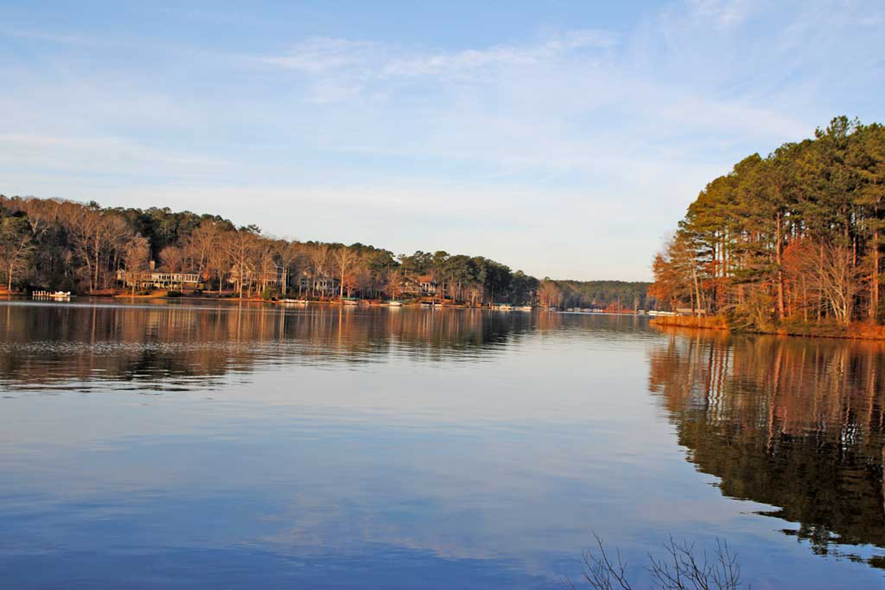 Land voor Verkoop op Beautiful Lake Front Lot 1091 Hawthorne Heights Greensboro, Georgië 30642 Verenigde Staten