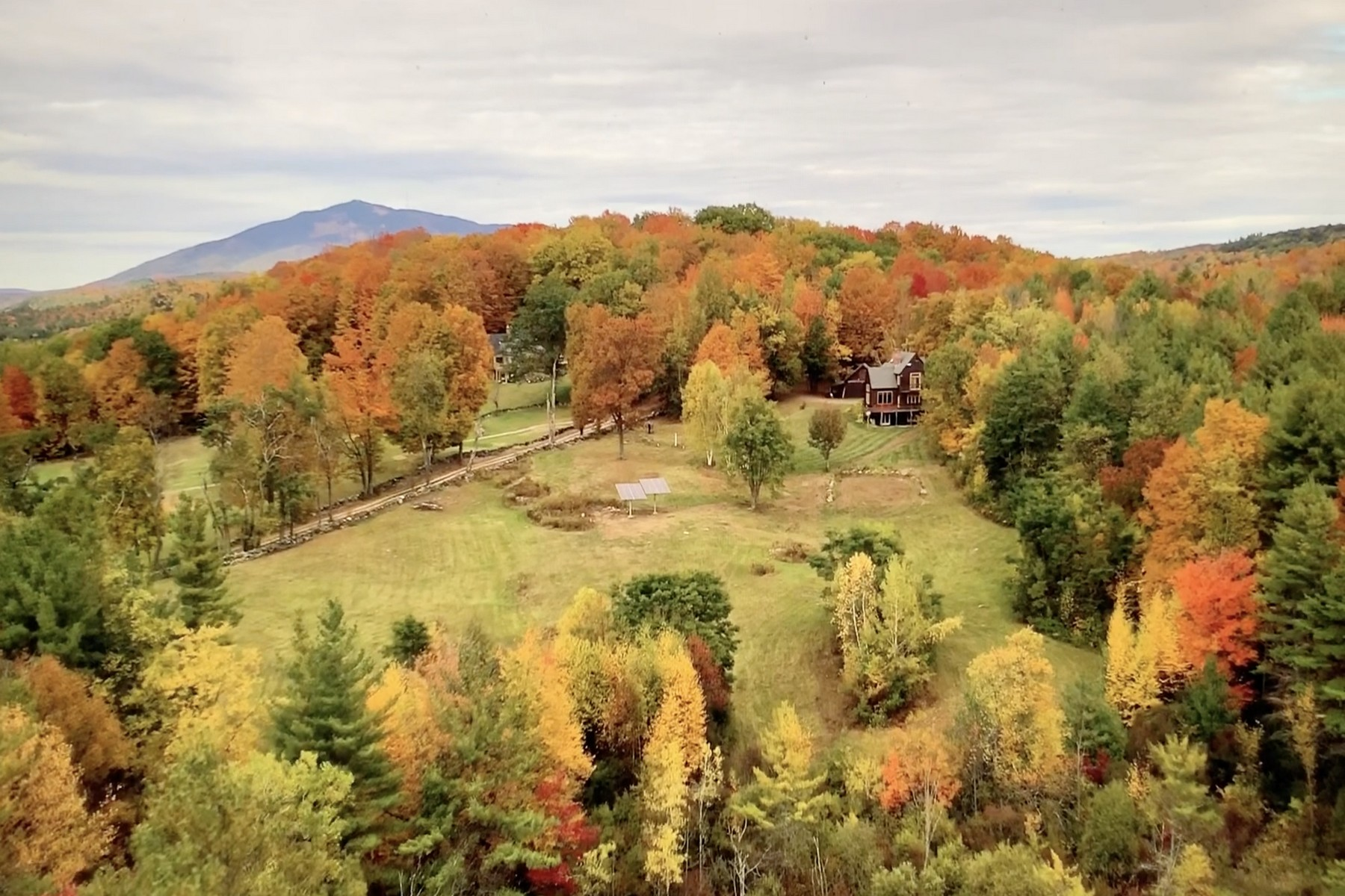 Single Family Homes for Sale at Spacious Home on 100 Acres 322 Stone Hill Farm Rd Weathersfield, Vermont 05151 United States