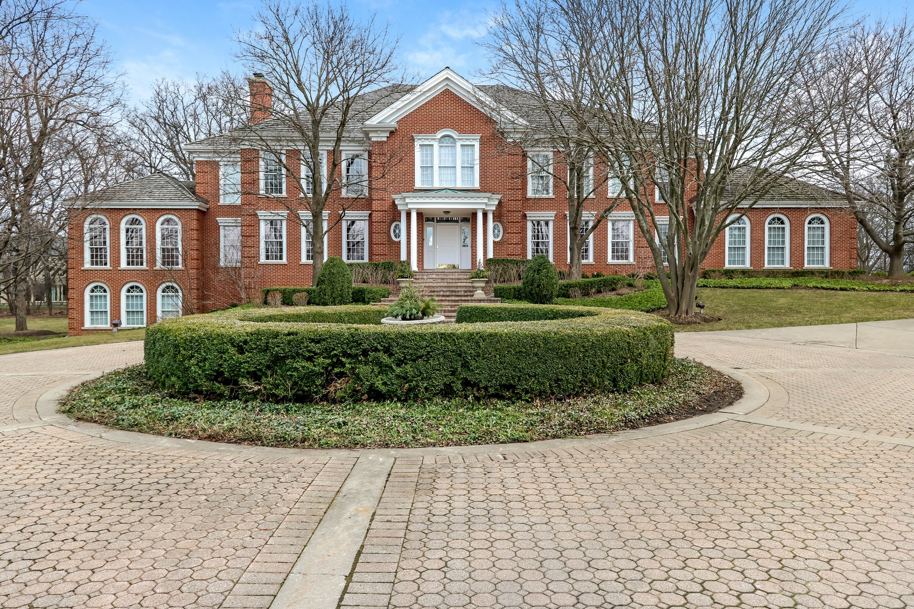 Single Family Home for Sale at Majestic Georgian Home 54 Stratham Circle North Barrington, 60010 United States