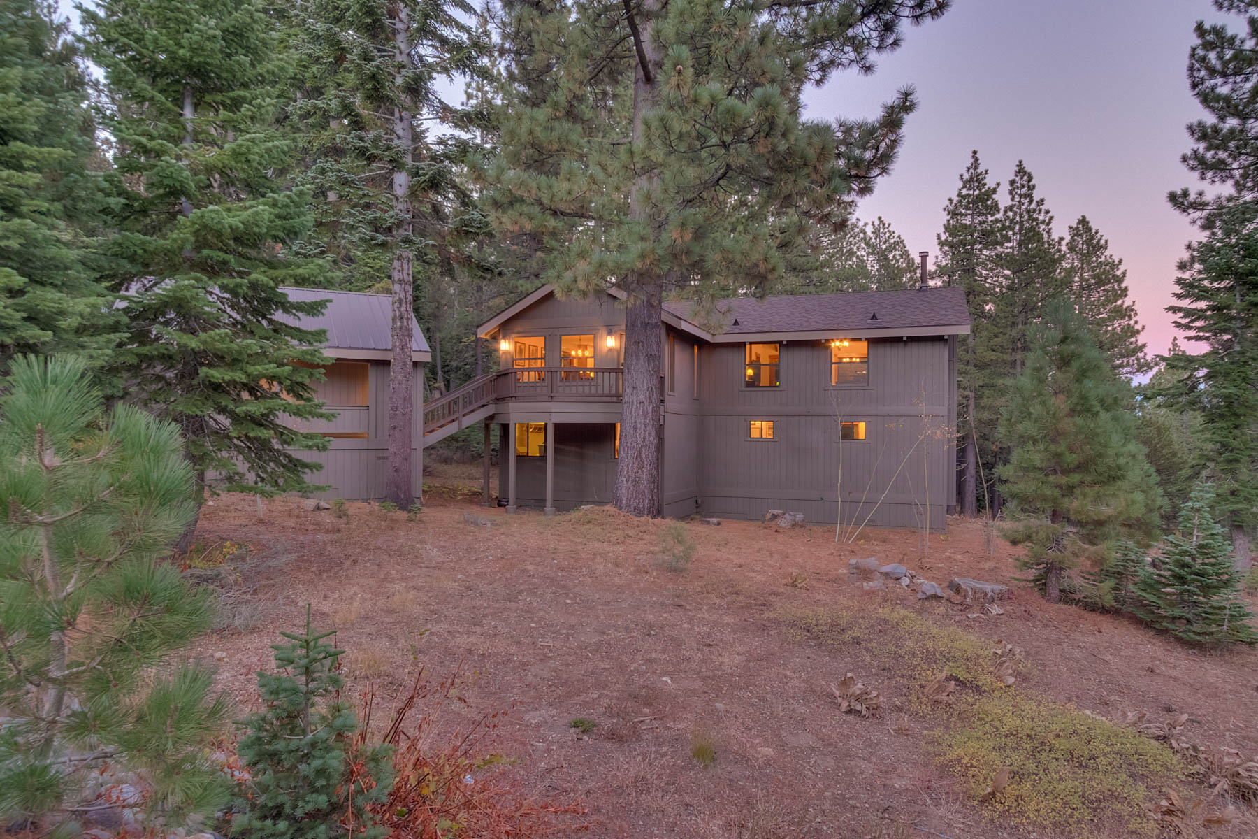 Additional photo for property listing at 4035 Zermatt Road, Tahoe City, Ca 96145 4035 Zermatt Road Tahoe City, California 96145 United States