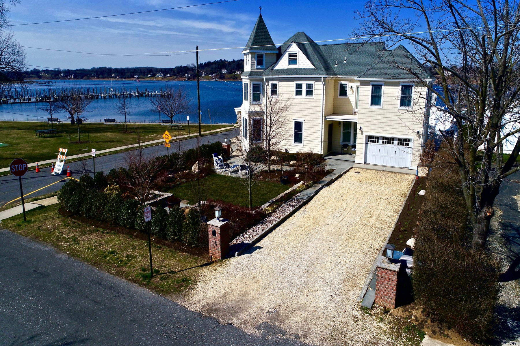 Single Family Home for Sale at 14 Hunt St. Rumson, New Jersey, 07760 United States