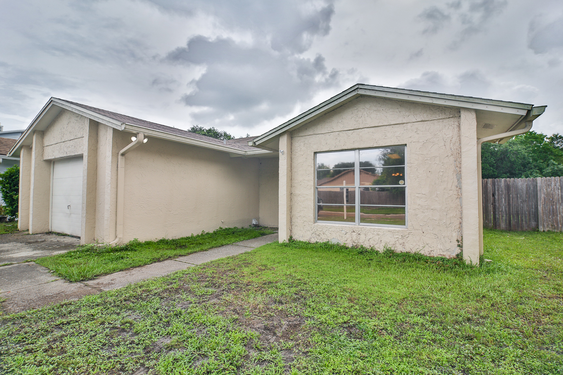 Single Family Homes für Verkauf beim 1519 Crossridge Dr, Brandon, Florida 33510 Vereinigte Staaten