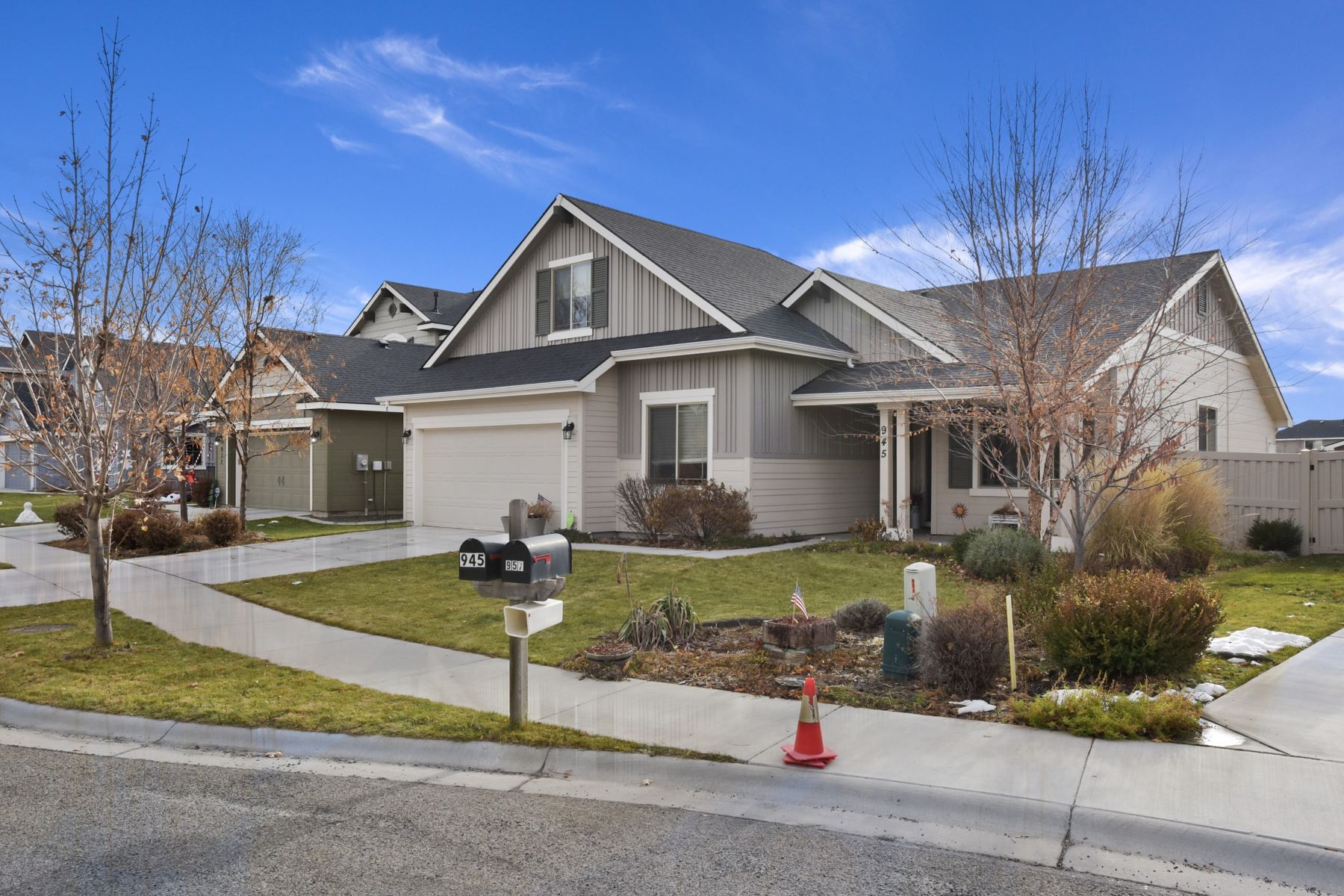 Single Family Homes for Active at 945 Harvest Way Middleton, Idaho 83644 United States