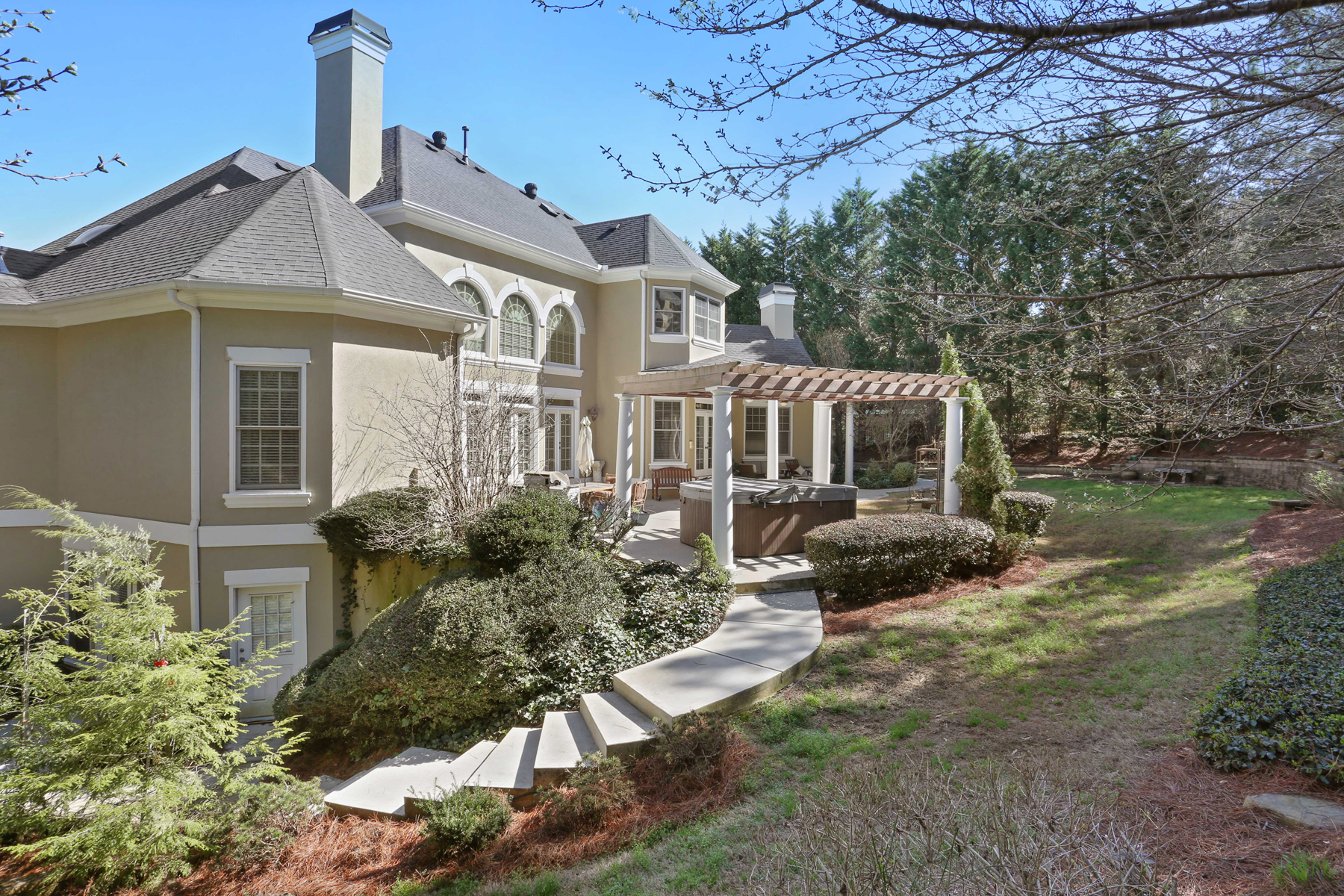 Additional photo for property listing at Exceptional Custom Stucco Country Club of the South Estate 2015 Westbourne Way Alpharetta, Georgia 30022 United States
