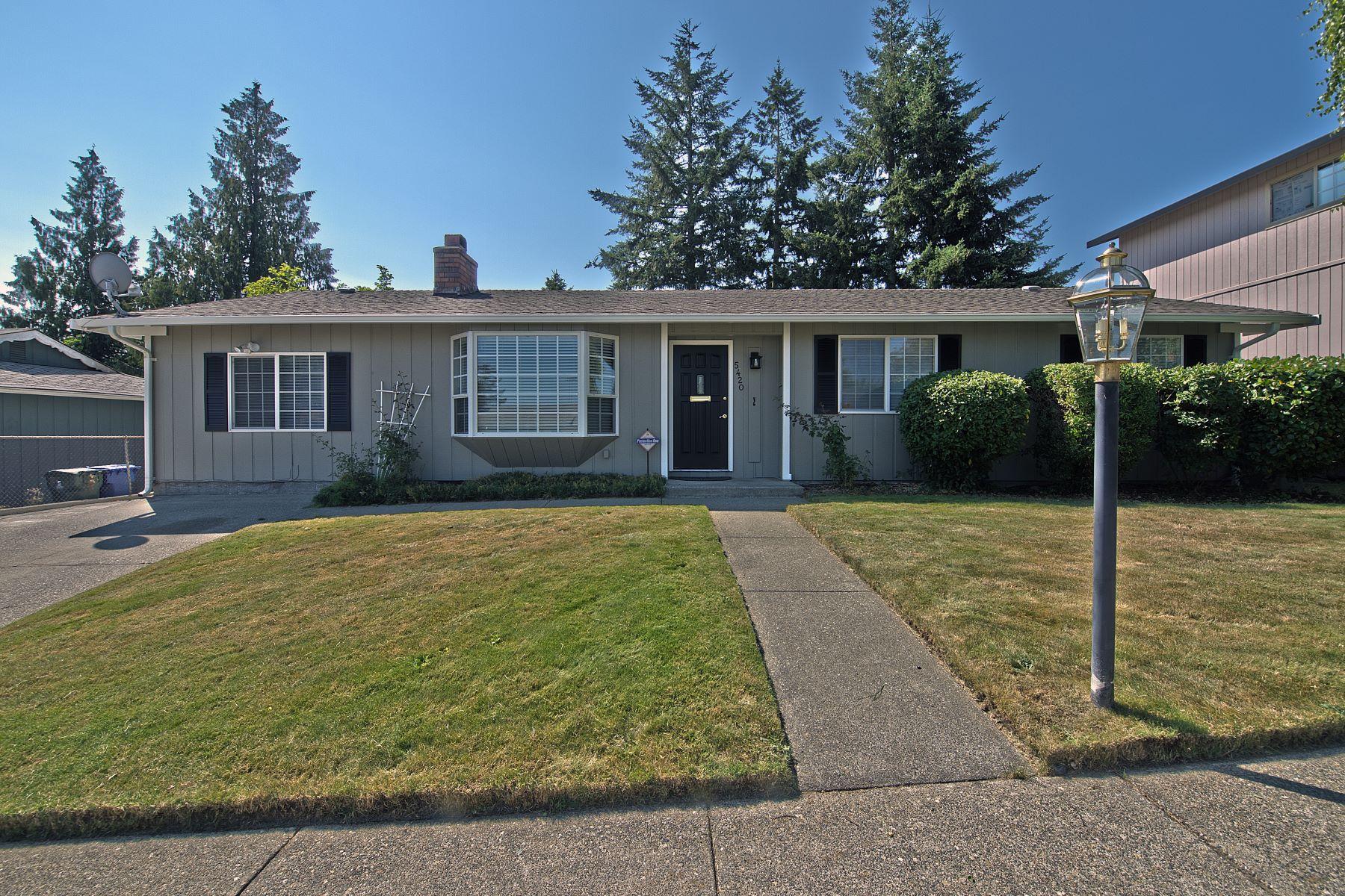 Casa Unifamiliar por un Venta en North Tacoma Rambler 5420 Dahl Dr Tacoma, Washington 98406 Estados Unidos