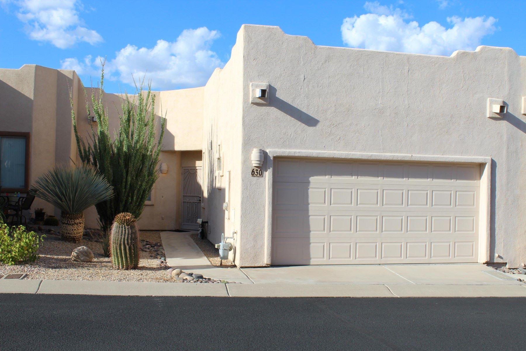 Таунхаус для того Продажа на Impeccably Maintained Townhome 630 W Woodfield Court, Green Valley, Аризона, 85614 Соединенные Штаты