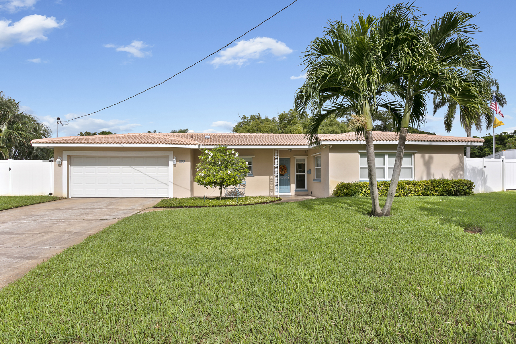 Single Family Homes for Sale at 293 94th Ave Ne St. Petersburg, Florida 33702 United States