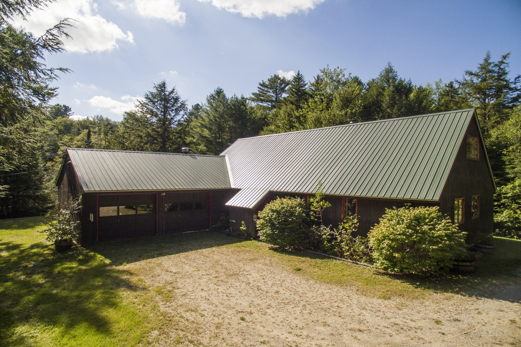 Single Family Home for Sale at 274 Hide And Seek Road, Peru 274 Hide And Seek Rd Peru, Vermont 05152 United States