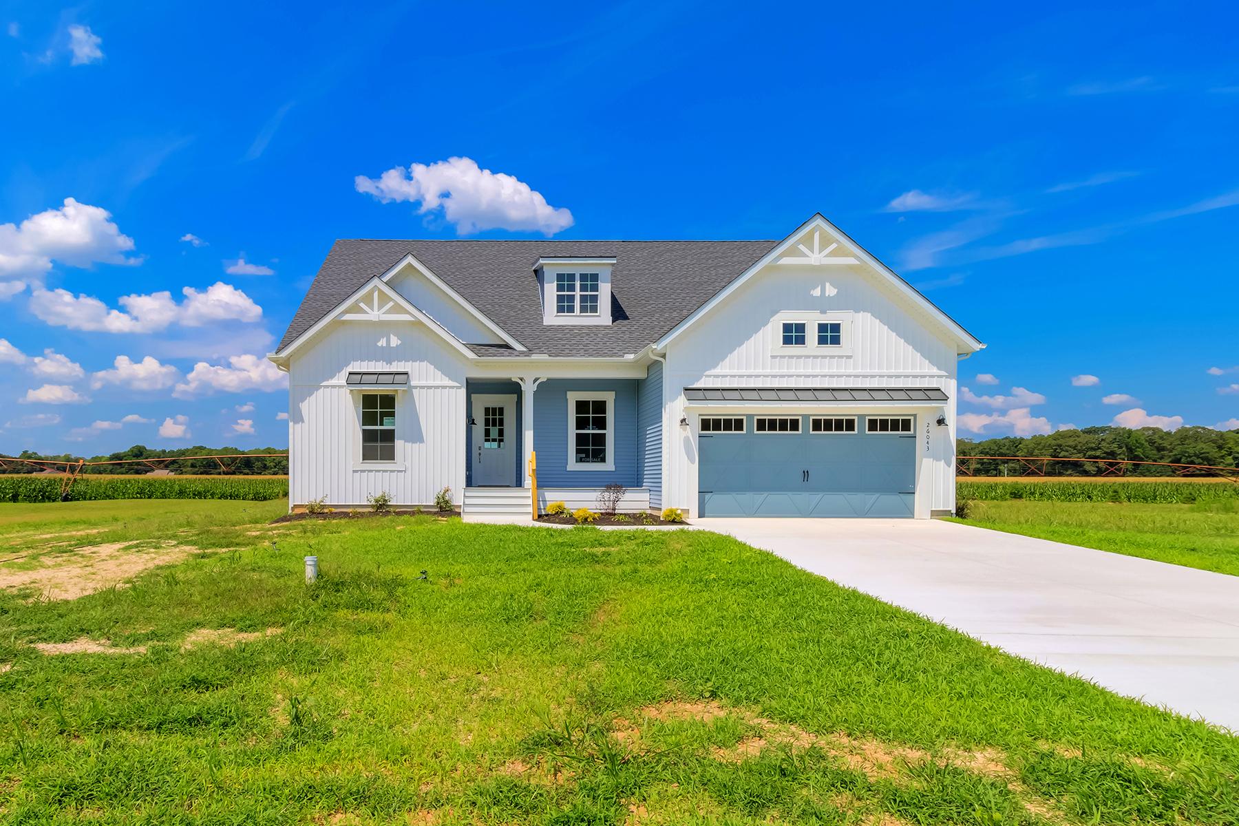 Single Family Homes for Active at 26403 Marys Lane 26043 Marys Lane Milton, Delaware 19968 United States