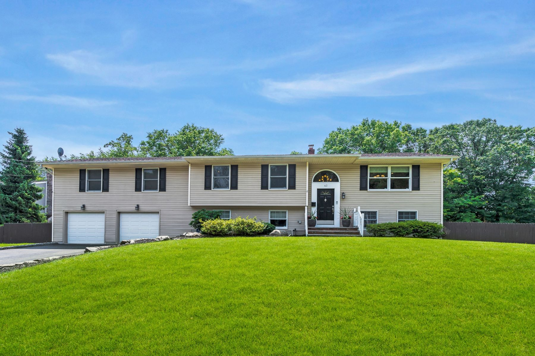 Single Family Homes for Sale at Beautiful Custom Home 43 Hamilton Street Allendale, New Jersey 07401 United States