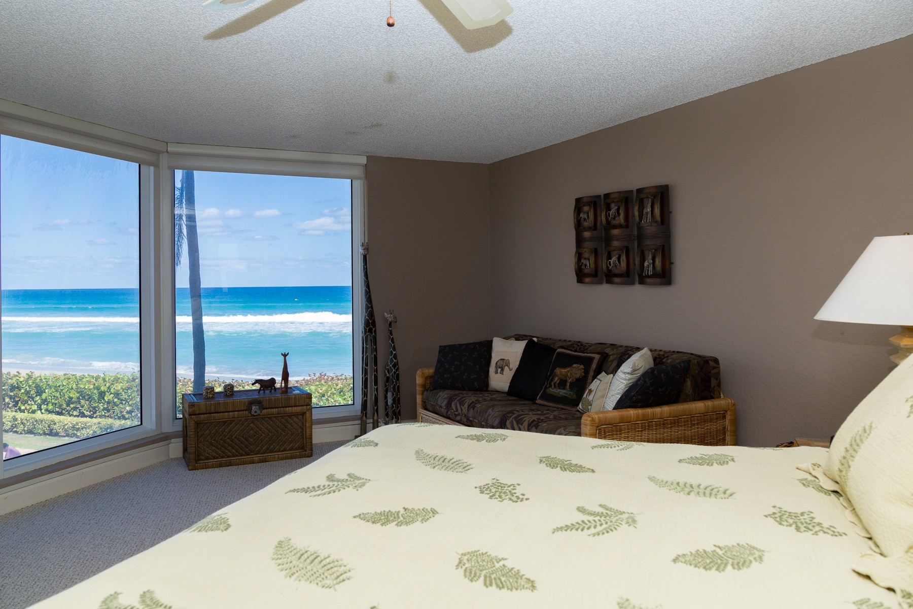 Townhouse for Active at 2575 S Ocean Blvd , 105s, Highland Beach, FL 33487 2575 S Ocean Blvd 105s Highland Beach, Florida 33487 United States