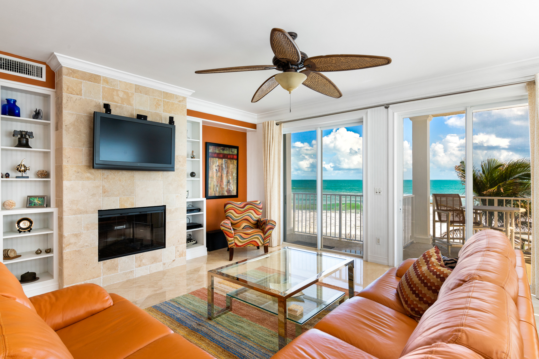 Additional photo for property listing at Beautifully Appointed, Turn key, End Unit Condo in Exclusive Saltaire 3135 S Highway A1A Unit 203 Melbourne Beach, Florida 32951 United States