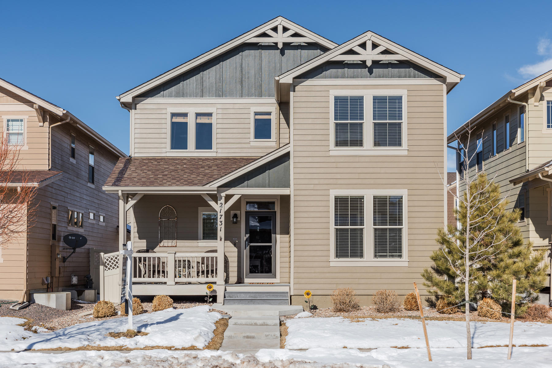 Single Family Homes for Sale at In desirable Idyllwilde 1 block from neighborhood pool, clubhouse & coffee shop. 21731 E Tallkid Avenue Parker, Colorado 80138 United States