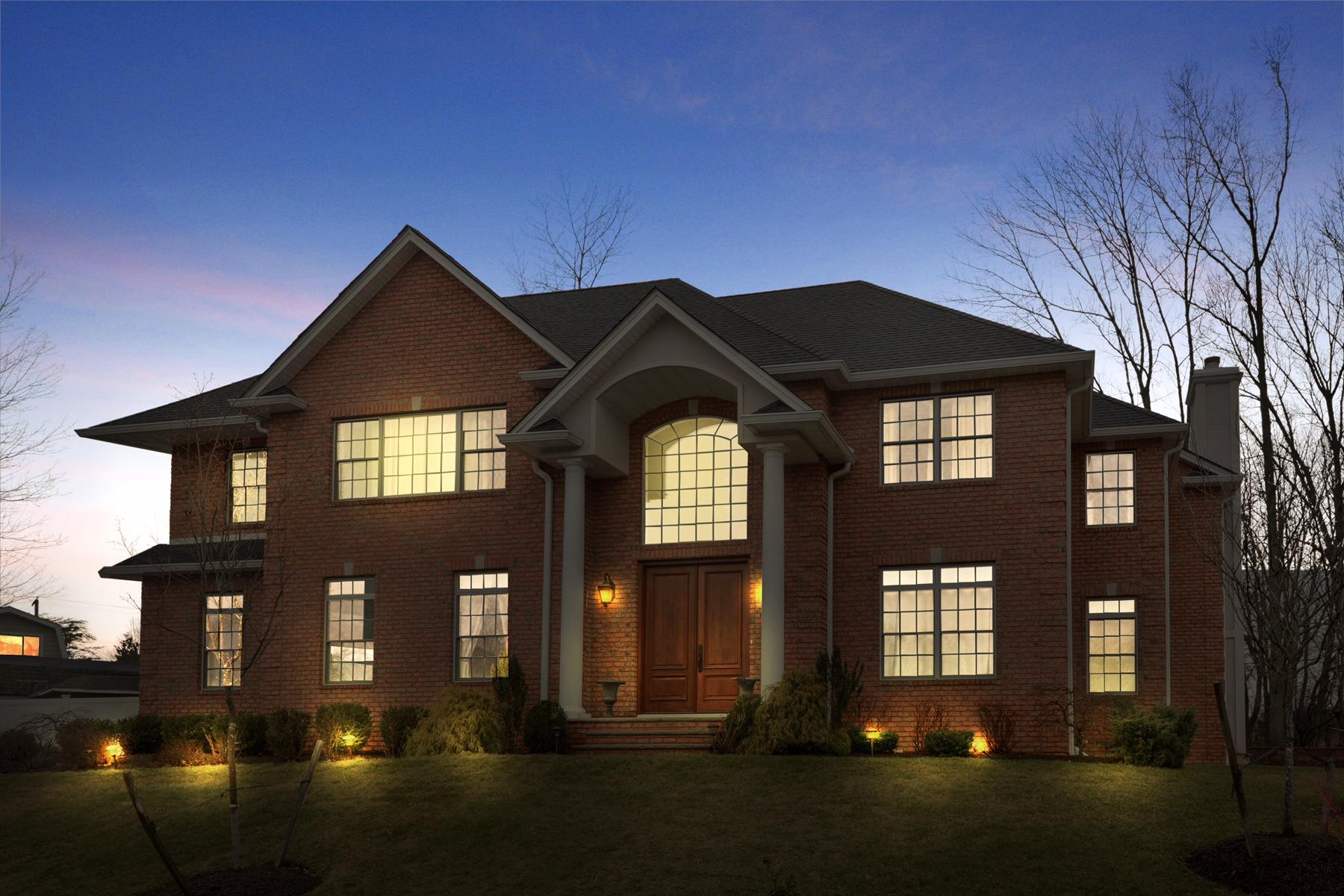 Частный односемейный дом для того Продажа на Custom Colonial located on a private Cul-De-Sac. 7 Adela Court Whippany, 07981 Соединенные Штаты