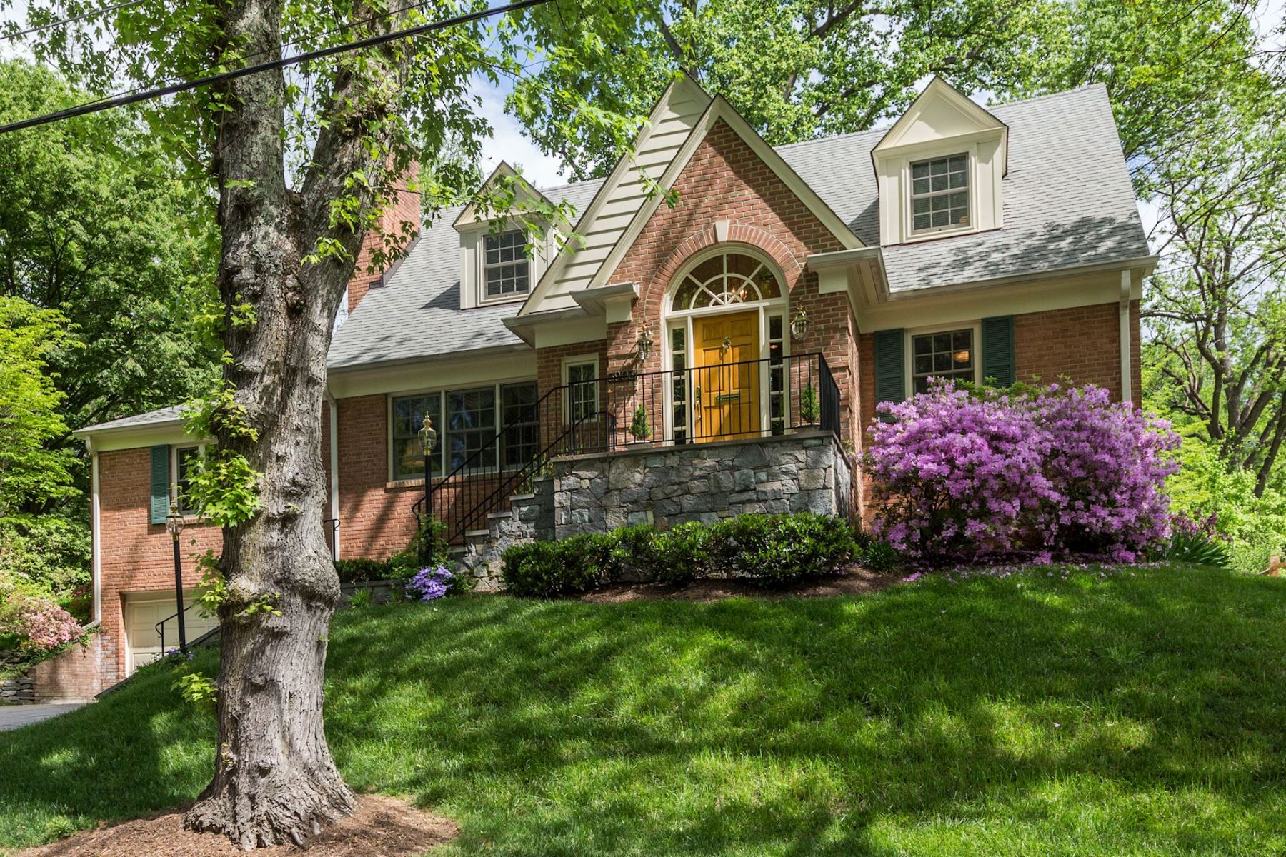 Single Family Home for Sale at 3903 Franklin Street, Kensington Kensington, Maryland 20895 United States