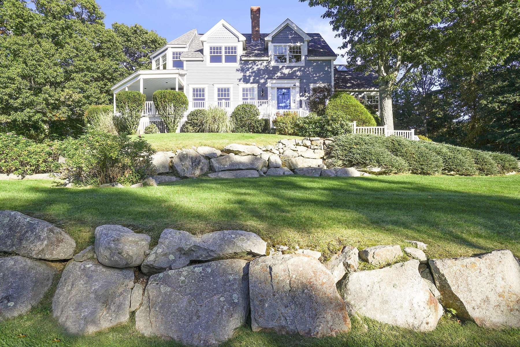 Single Family Homes por un Venta en 13 Salt Marsh Ln Gloucester, Massachusetts 01930 Estados Unidos