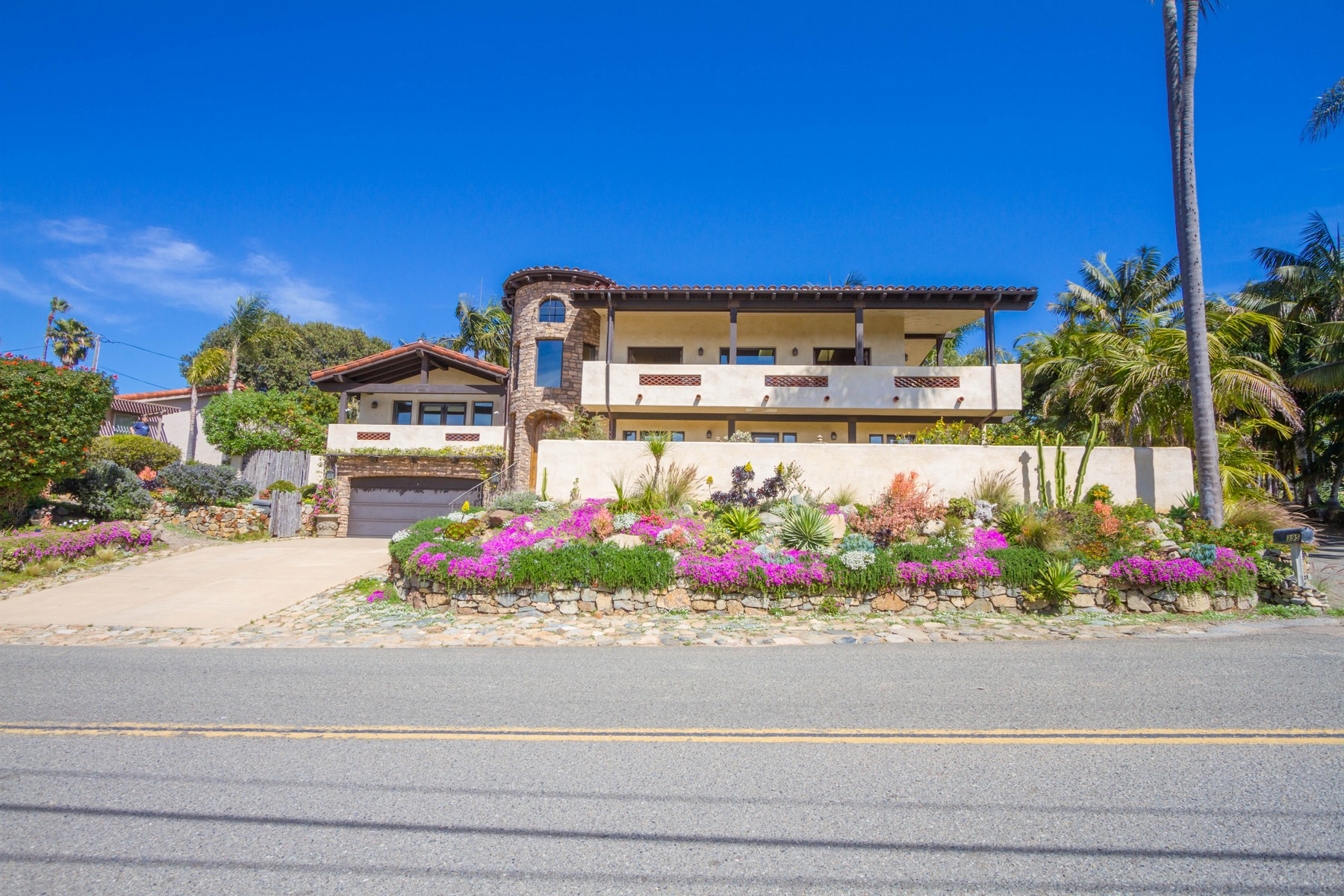 Single Family Home for Active at 399 Sunset Drive 399 Sunset Drive Encinitas, California 92024 United States