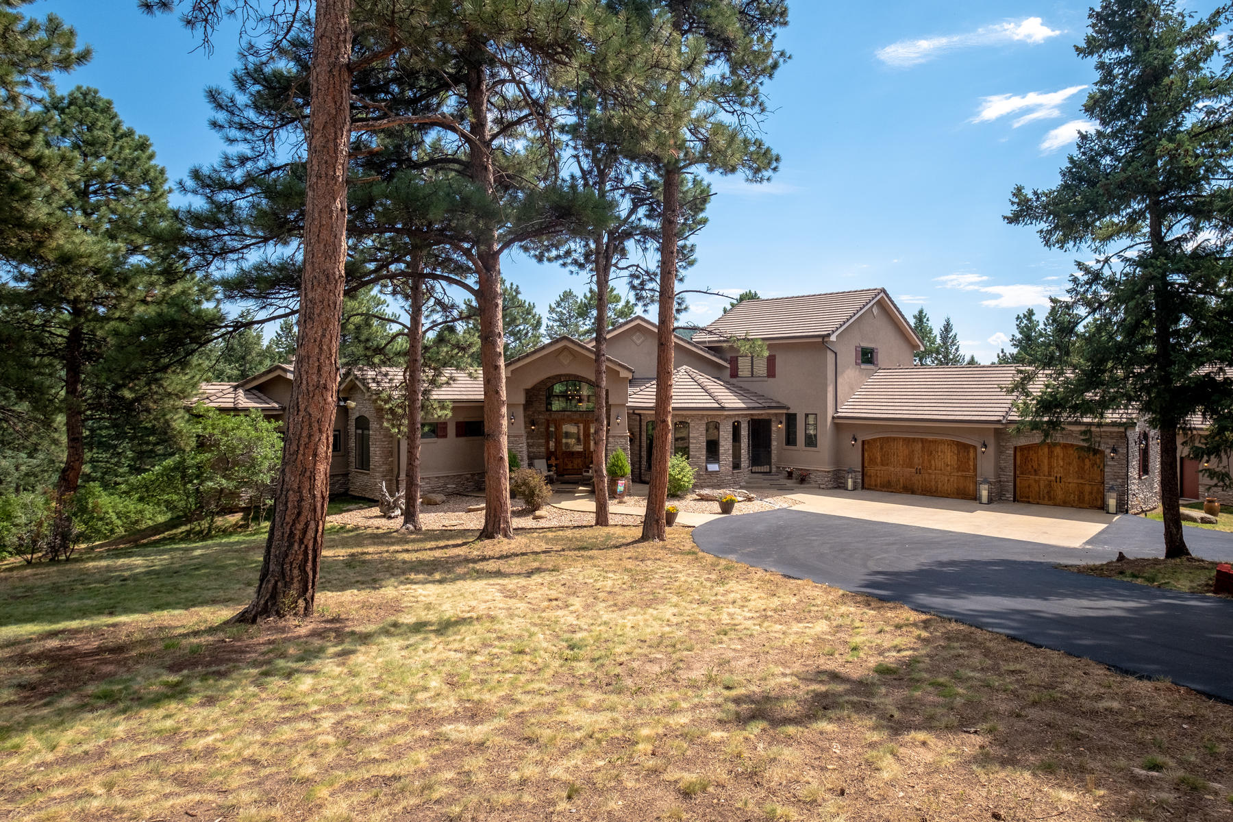 Single Family Homes for Active at 20330 Rockwood Trail Morrison, Colorado 80465 United States
