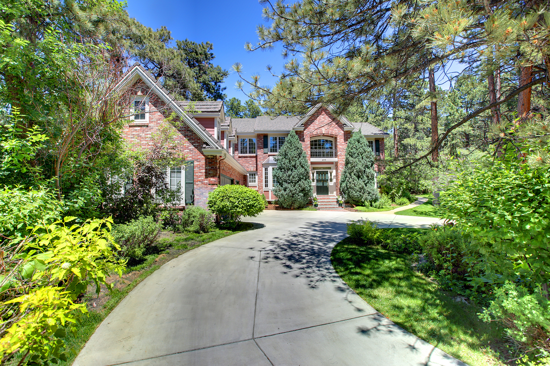Single Family Home for Sale at Located on a quiet cul-de-sac and tucked between enormous Ponderosa Pines 466 Lorraway Dr Castle Pines Village, Castle Rock, Colorado, 80108 United States