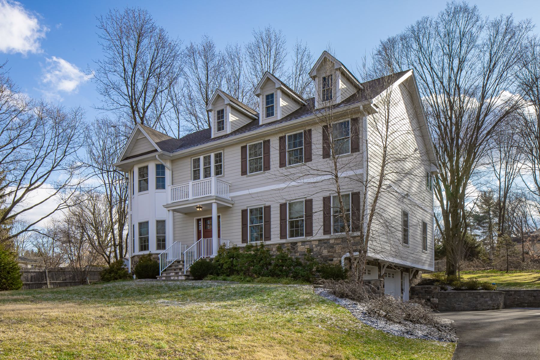 Single Family Homes por un Venta en Custom Colonial 59 Woodland Road Mendham, Nueva Jersey 07945 Estados Unidos