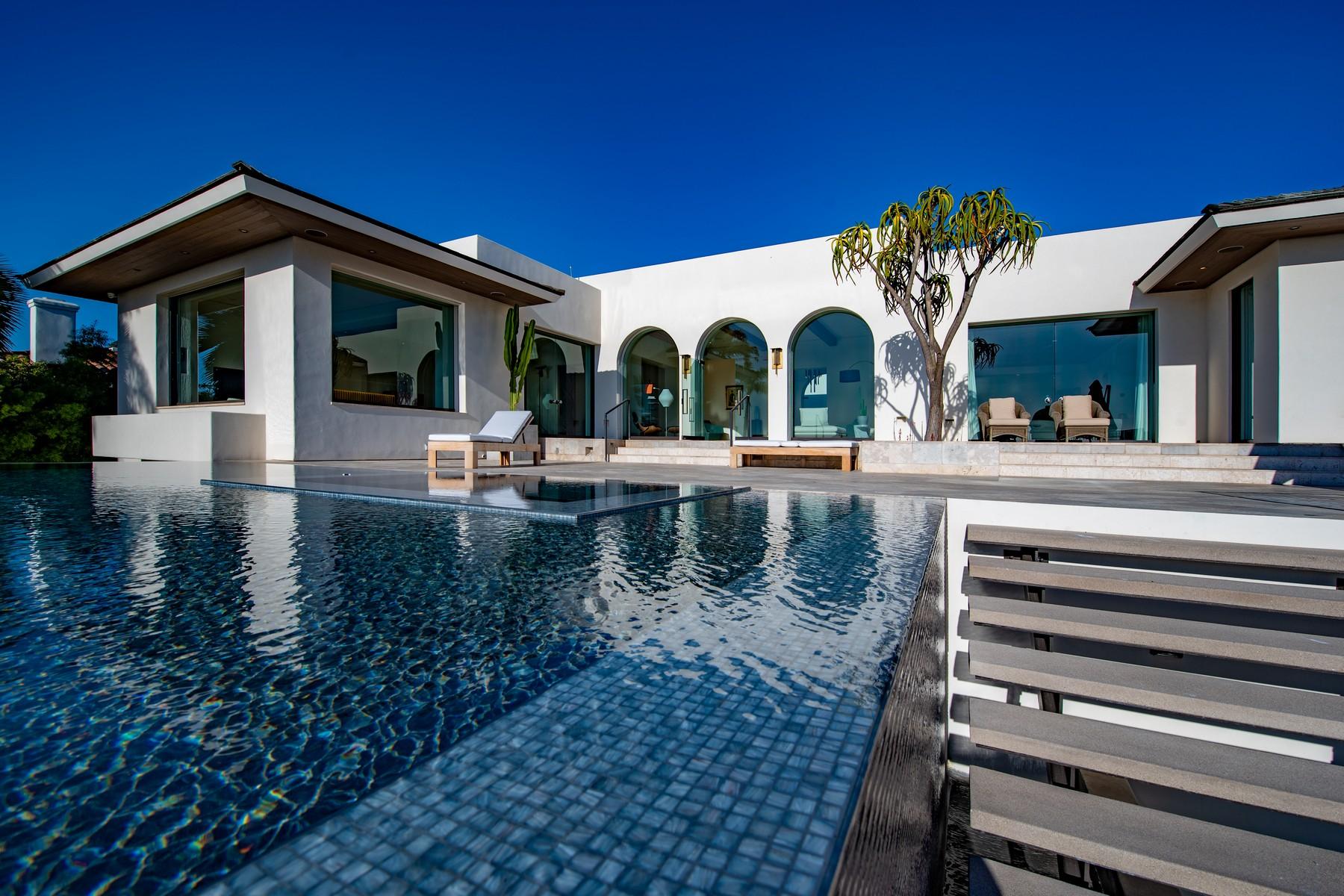 Single Family Homes for Sale at 8350 Calle Del Cielo La Jolla, California 92037 United States