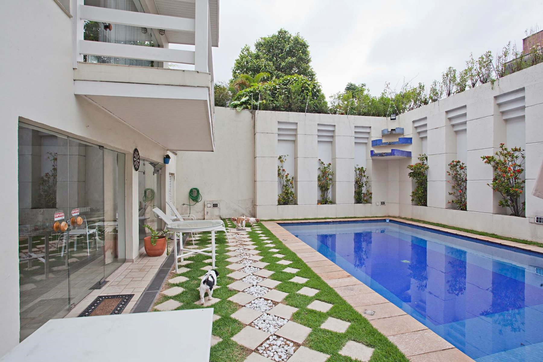 Single Family Home for Sale at Spacious House with Great Leisure Area Rua Anatólia Sao Paulo, Sao Paulo 05471-000 Brazil
