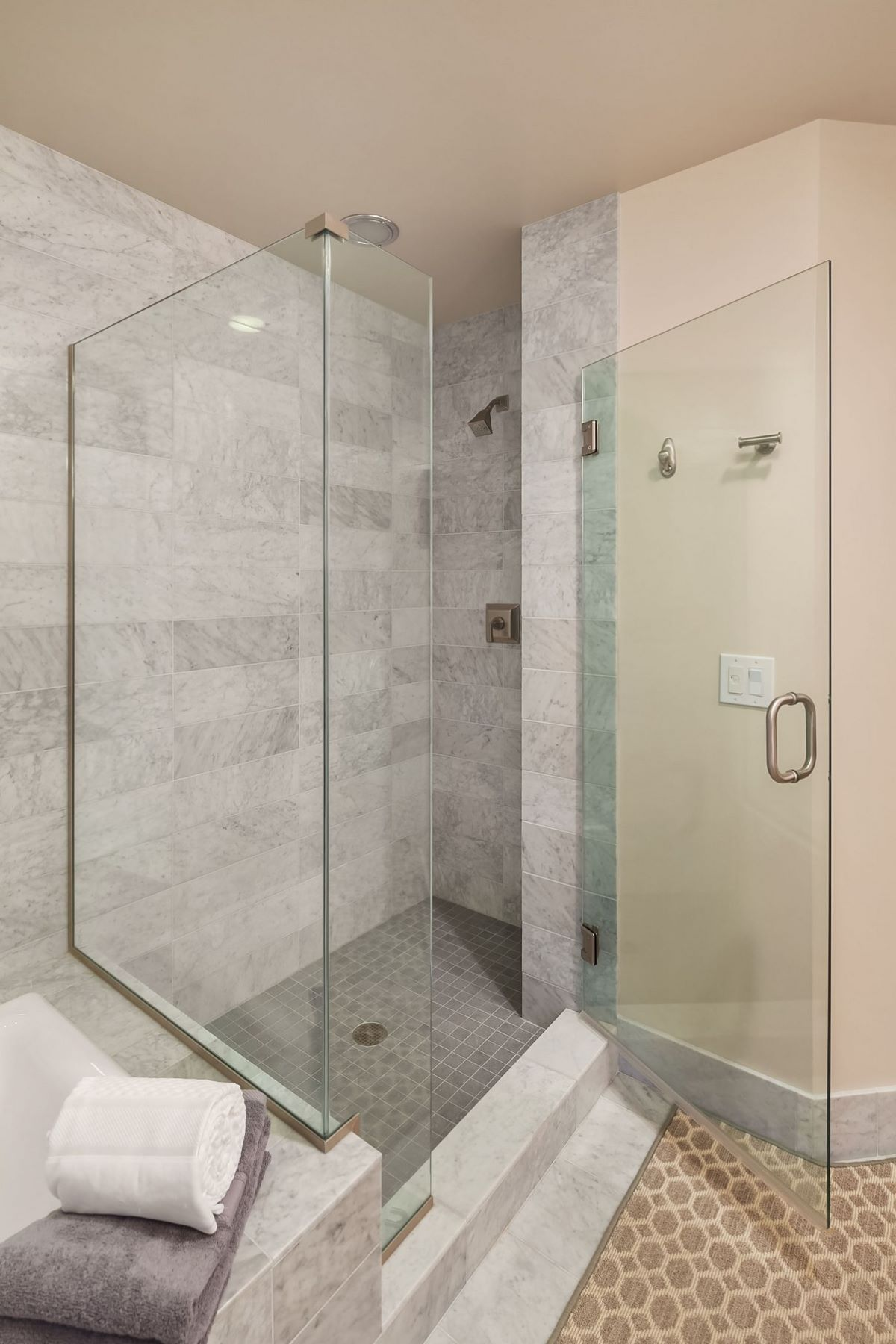 Additional photo for property listing at 1920 4th Ave 2505, Seattle 1920 4th Ave 2505 Seattle, Washington 98101 United States