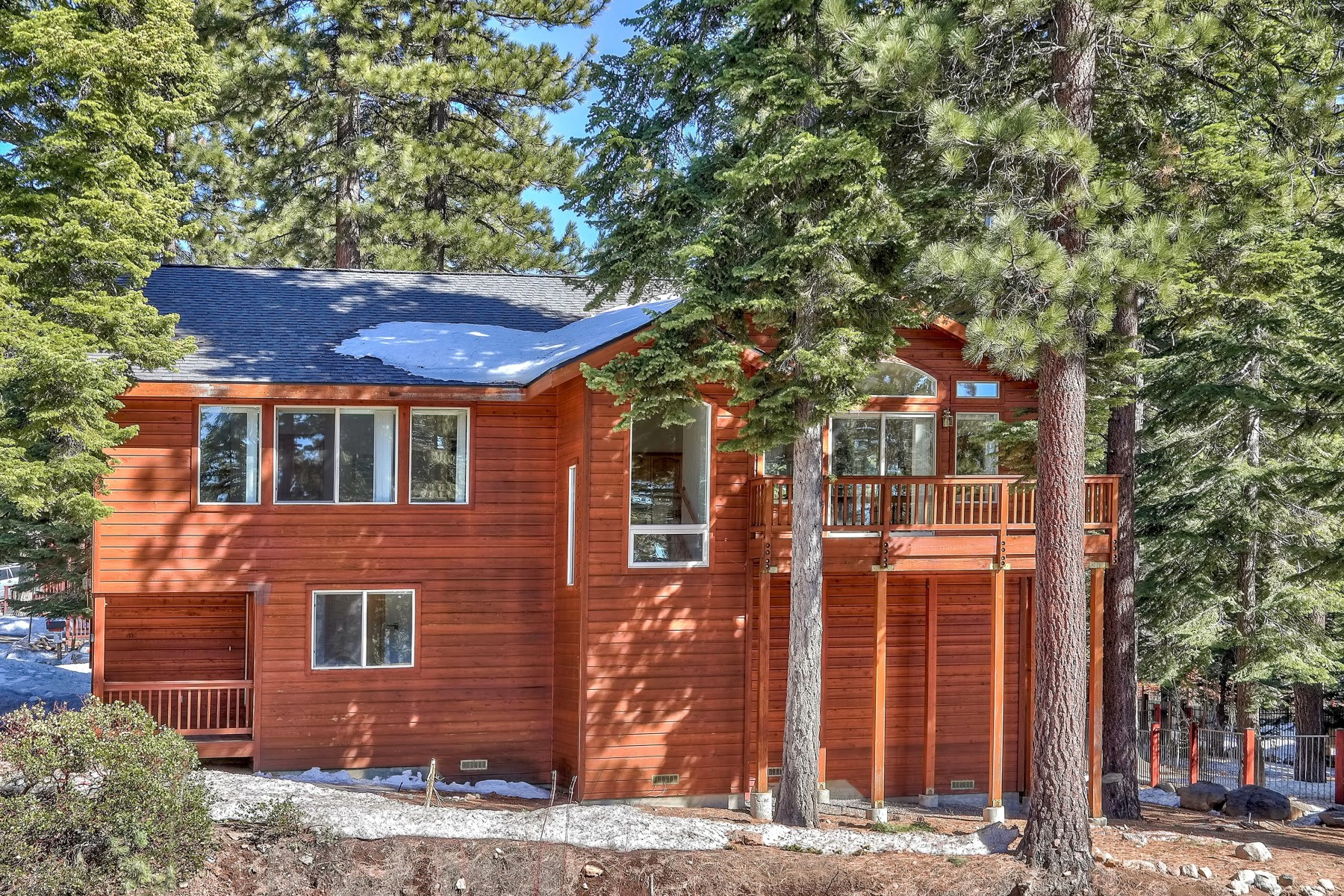 Property 为 销售 在 Wonderful Tahoe Mountain Home 923 Michael Court Incline Village, 内华达州 89451 美国