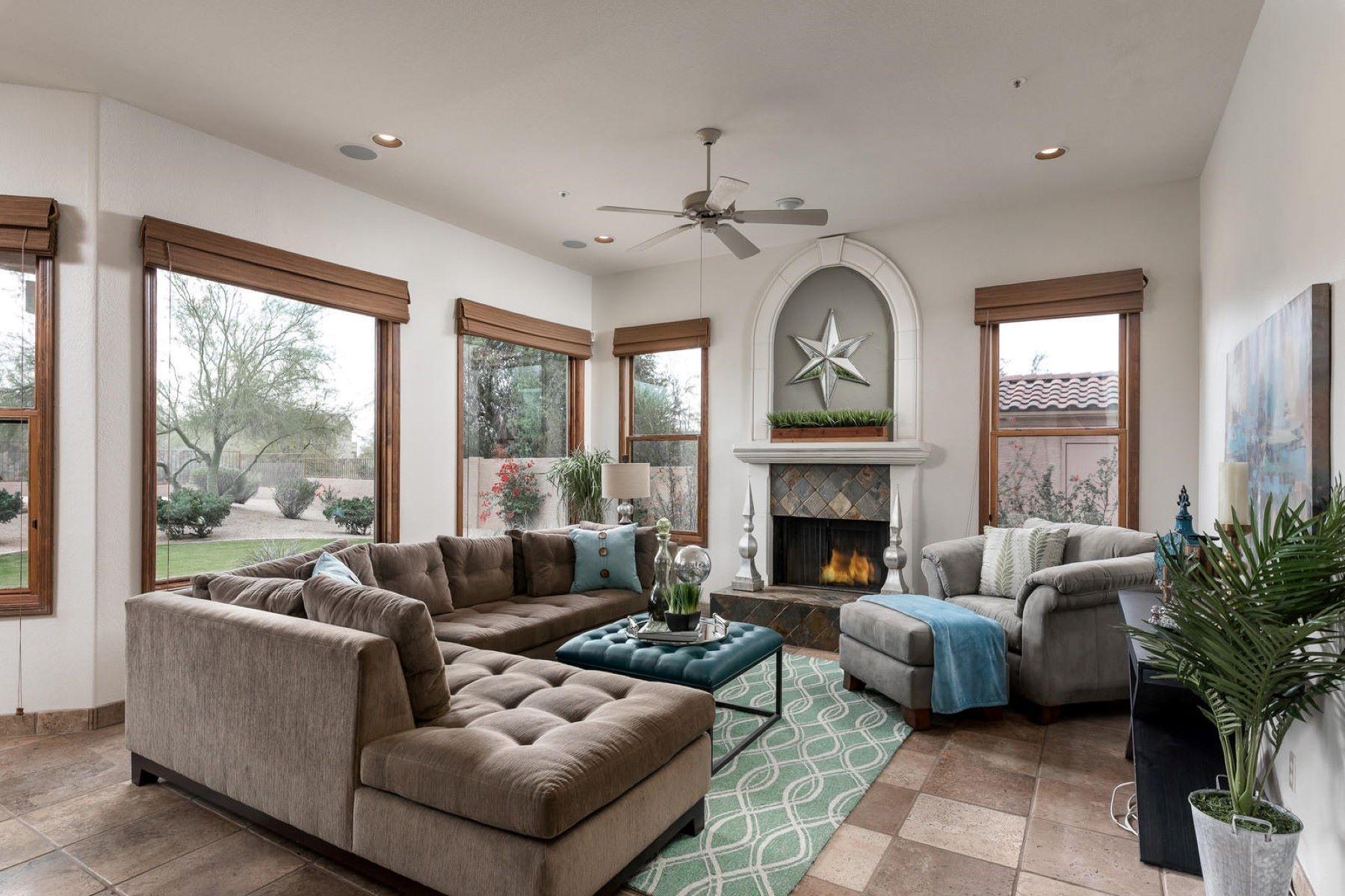 獨棟家庭住宅 為 出售 在 Beautiful Remodeled Vistana Home 8470 E Lariat Ln, Scottsdale, 亞利桑那州, 85255 美國