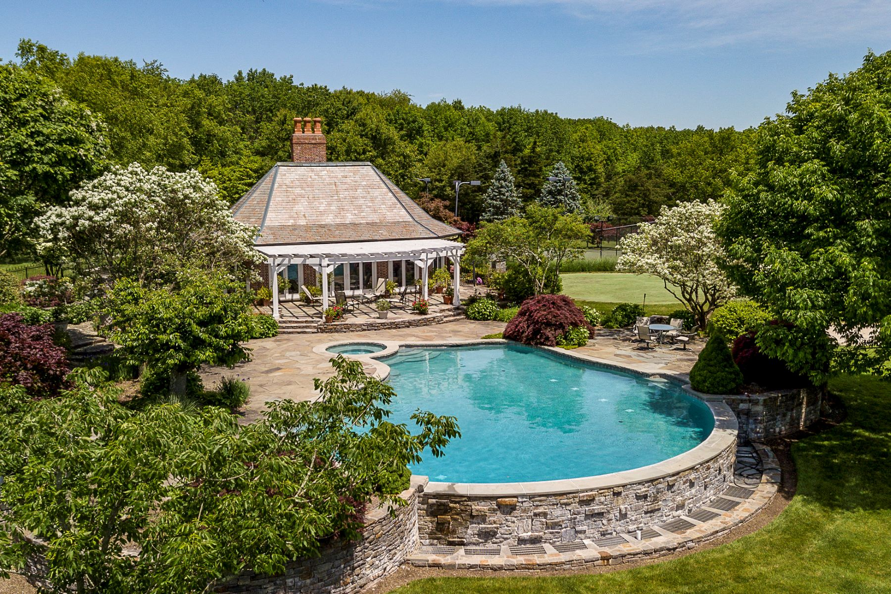 Additional photo for property listing at Private Compound with Every Amenity Imaginable 82 Aunt Molly Road, Hopewell, New Jersey 08525 États-Unis