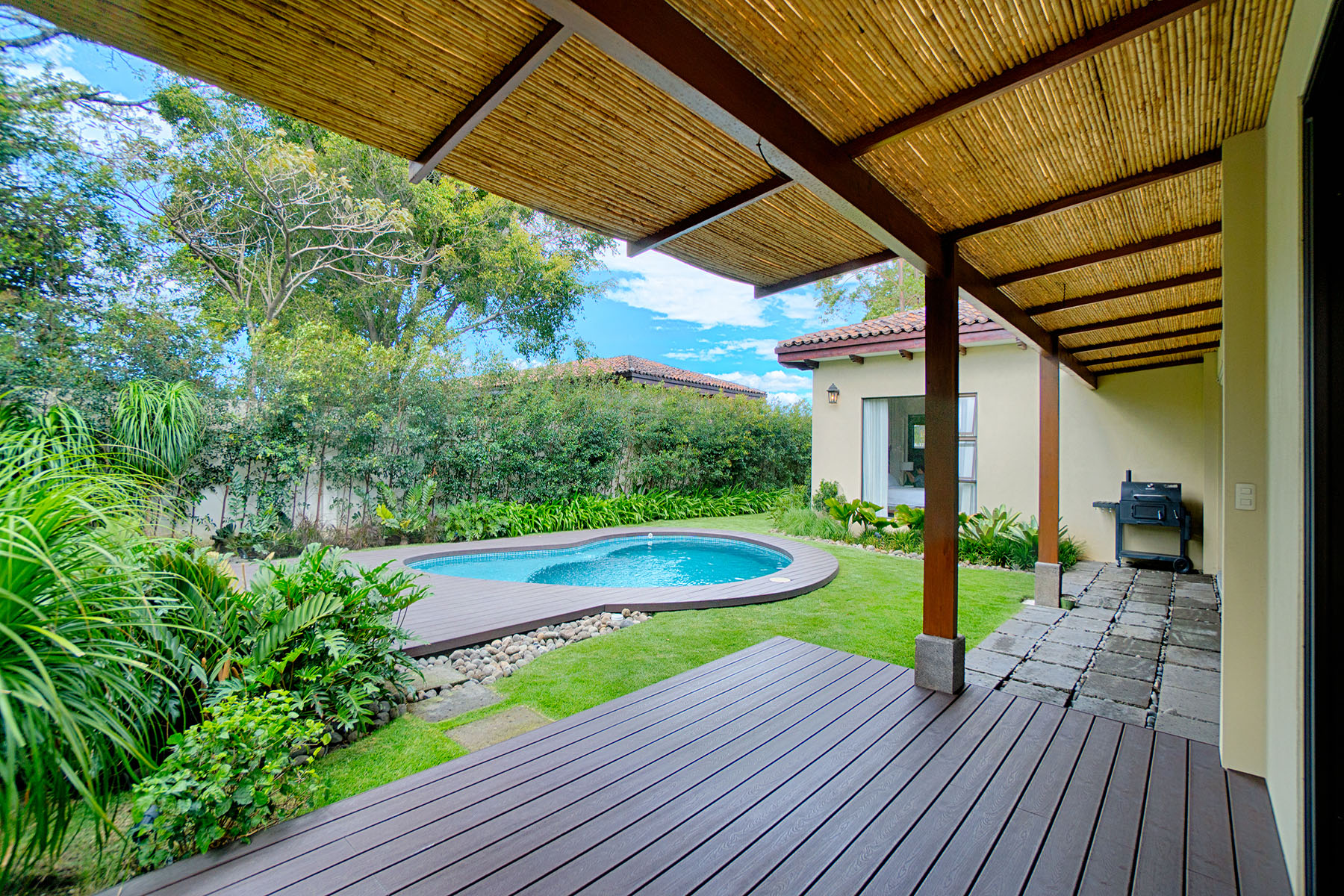 Additional photo for property listing at Single Story Home in Exclusive Gated Community Santa Ana, San Jose Costa Rica