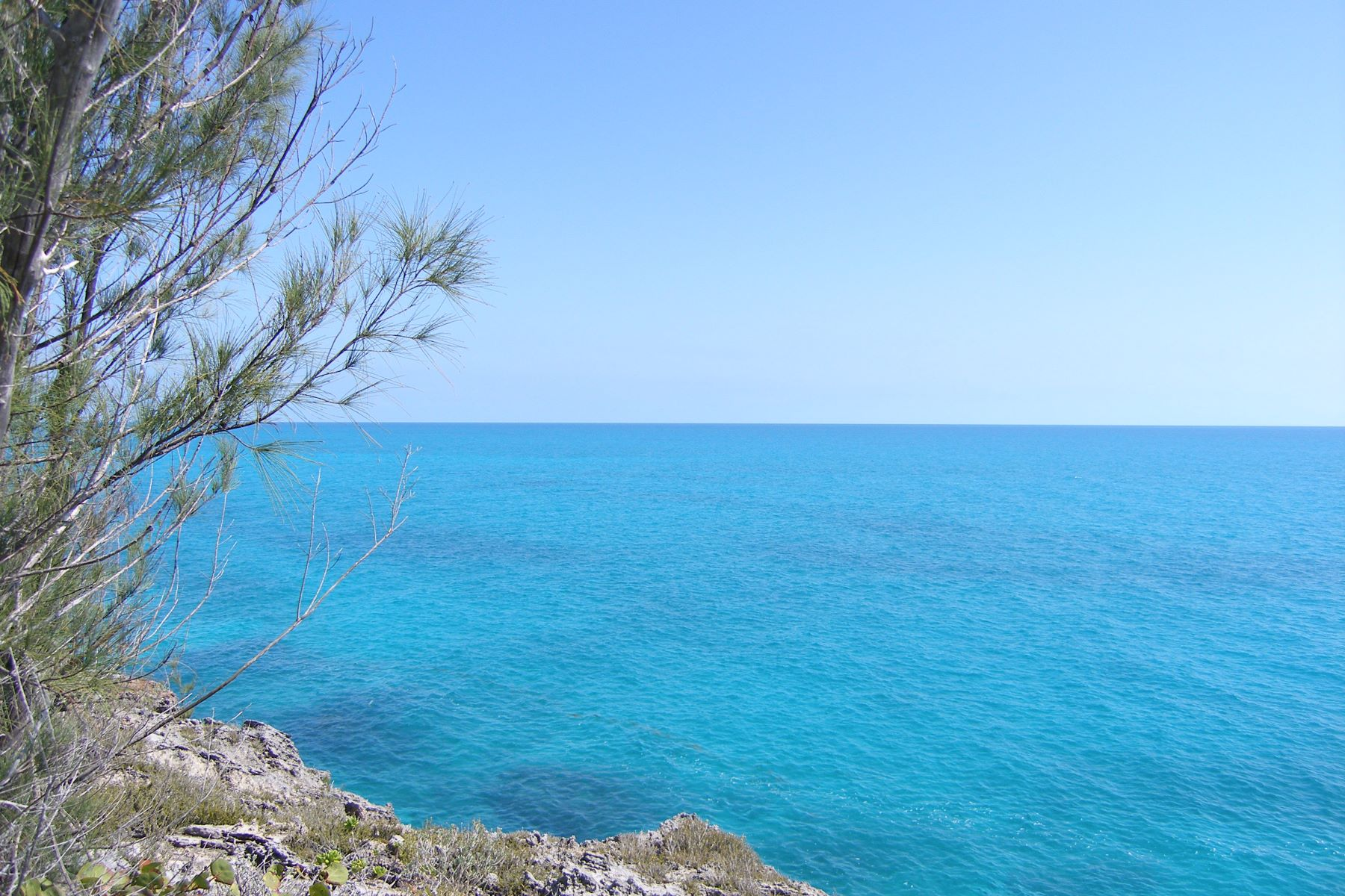 Terreno por un Venta en Elevated Waterfront Lot Rainbow Bay, Eleuthera Bahamas