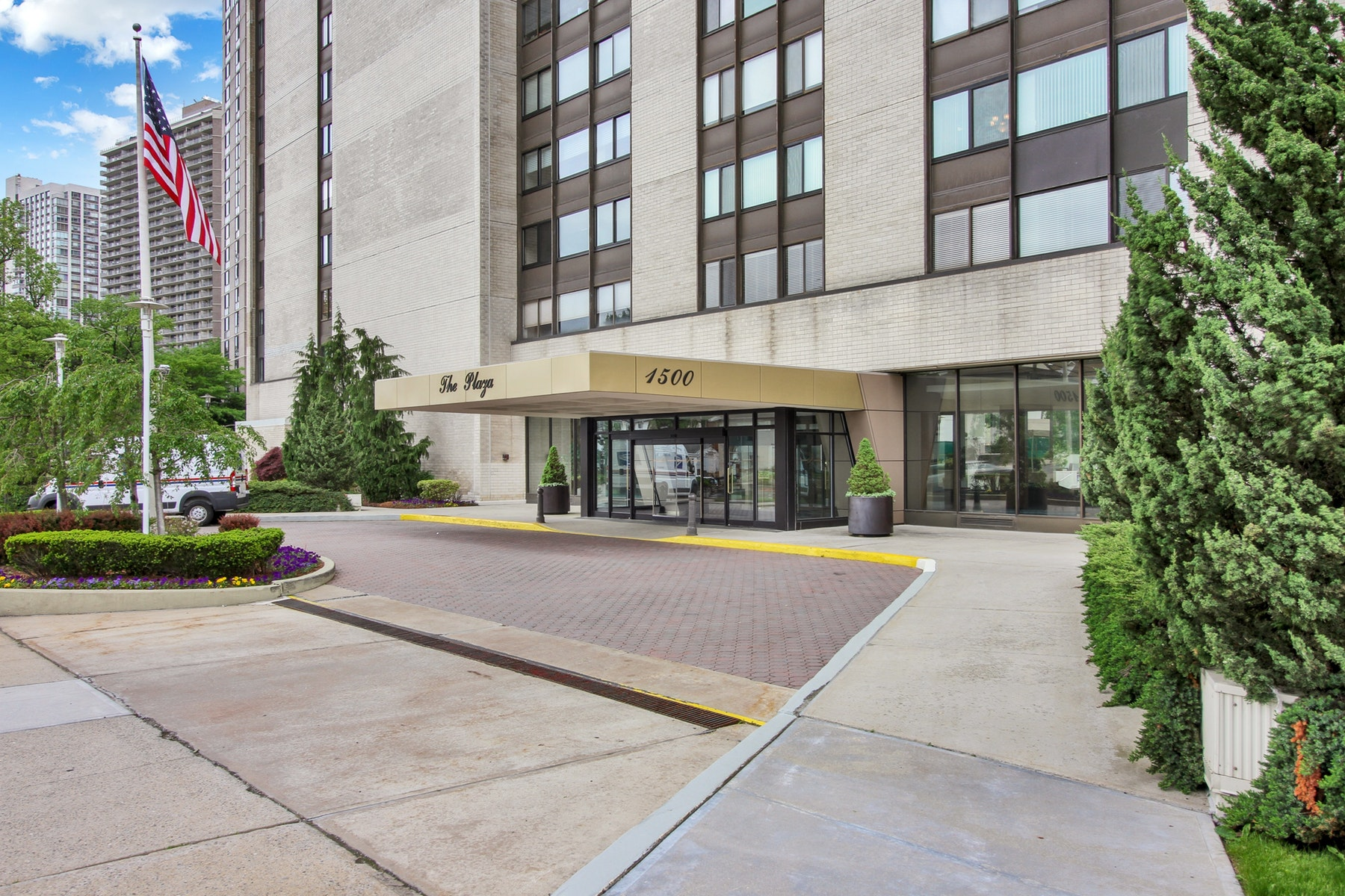 Co-op for Sale at 1500 Palisade Avenue, #16A 1500 Palisade Avenue, #16A Fort Lee, New Jersey 07024 United States