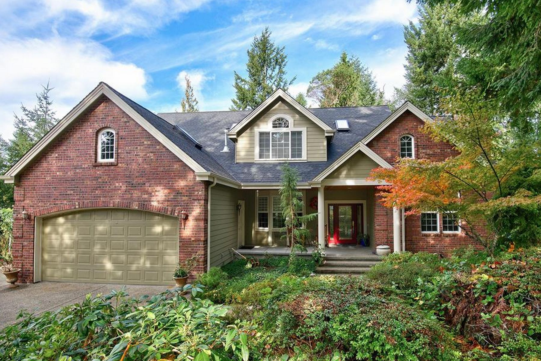 Maison unifamiliale pour l Vente à Large Living in Canterwood 11801 Sorrel Run NW Gig Harbor, Washington 98332 États-Unis