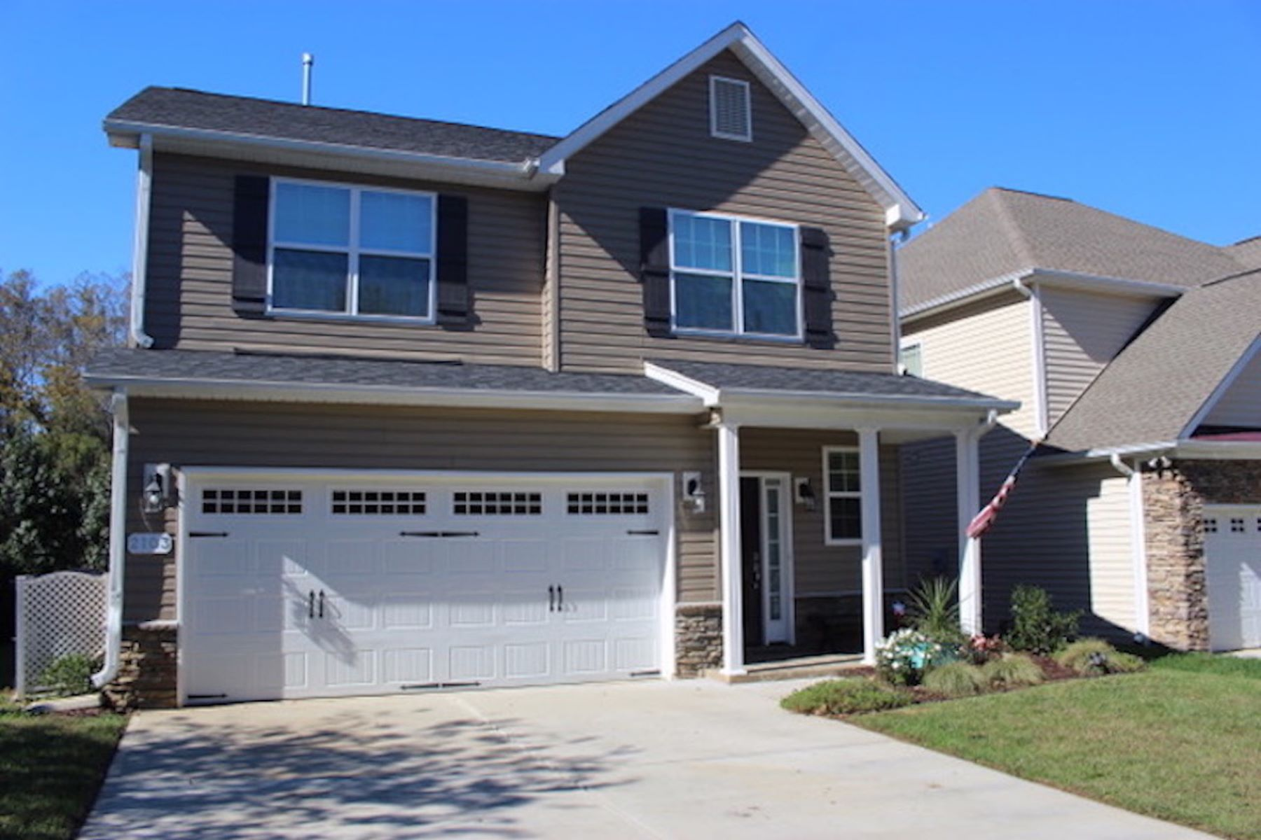 Single Family Homes for Sale at Mackintosh on the Lake 2103 Glenkirk Drive Burlington, North Carolina 27215 United States