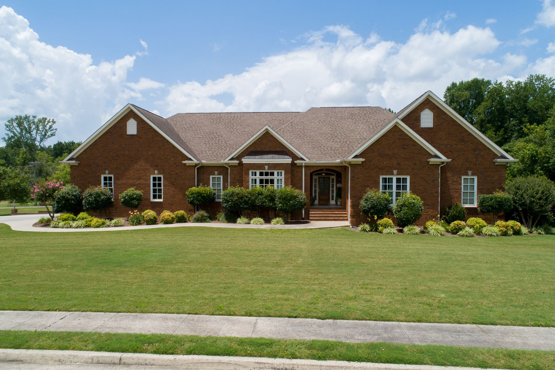 Single Family Homes por un Venta en 1915 Red Oak Lane Arab, Alabama 35016 Estados Unidos