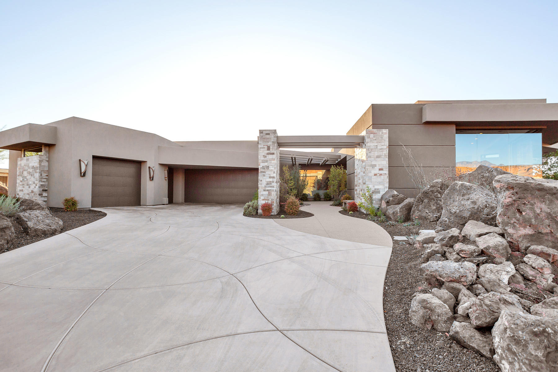Single Family Homes for Sale at Contemporary Desert Retreat at Entrada 2705 N Chaco Trail, St. George, Utah 84770 United States
