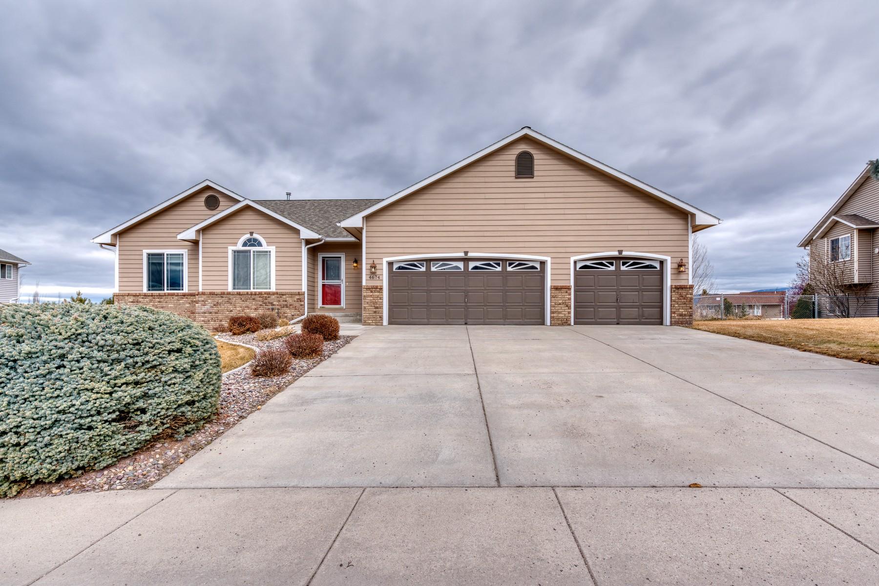 Single Family Homes por un Venta en Classic, Ranch-Style Home in Linda Vista 4674 Christian Drive Missoula, Montana 59803 Estados Unidos