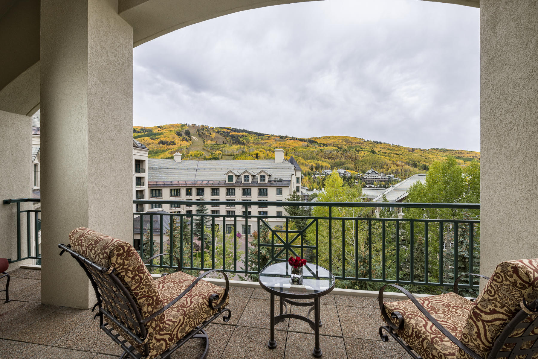 Additional photo for property listing at Park Hyatt Penthouse R10 100 E Thomas Place #R10 Beaver Creek, Colorado 81620 United States