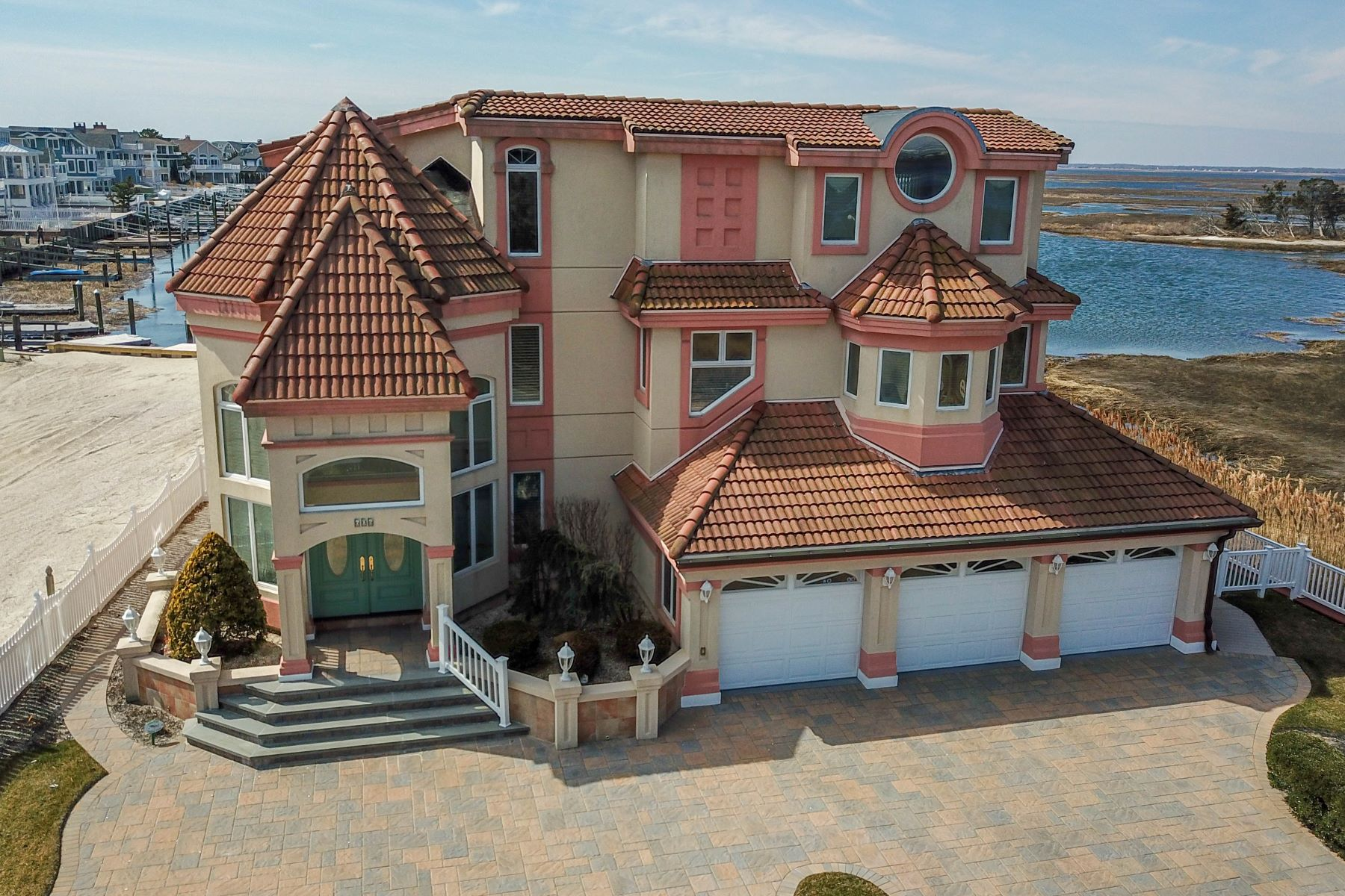 Single Family Homes للـ Sale في Premier Bayfront Masterpiece 606 42nd Street, Avalon, New Jersey 08202 United States