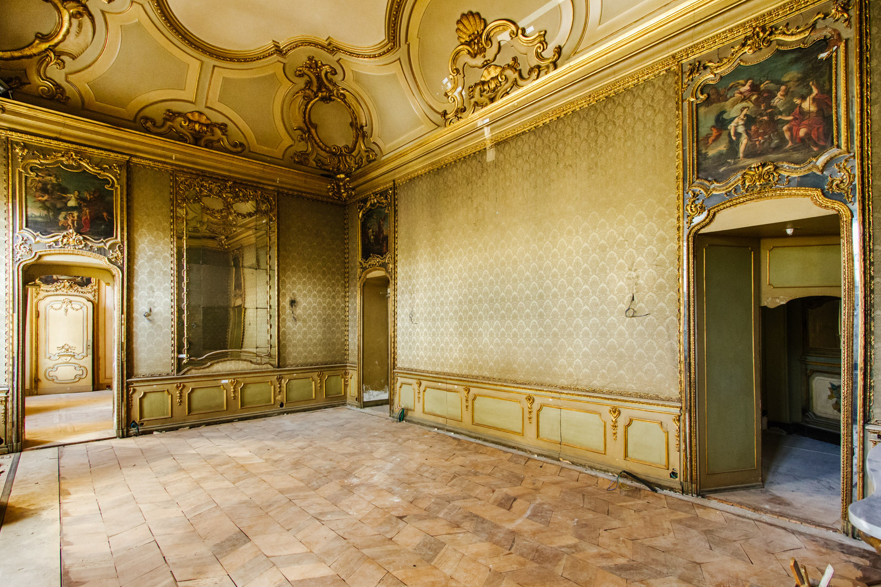 Apartment for Sale at Splendid Baroque architecture apartment in historic center Piazza Savoia Torino, 10122 Italy