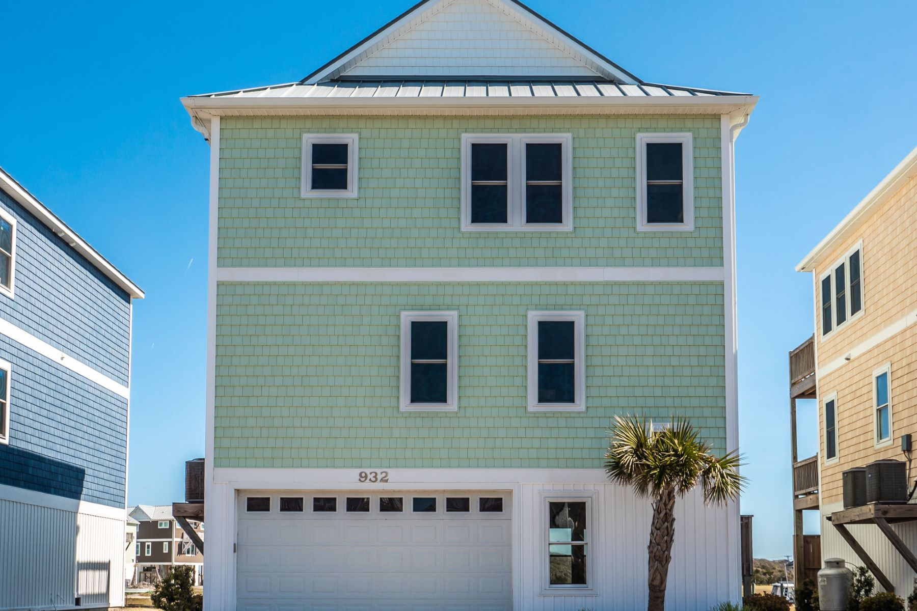 Single Family Homes for Sale at Waterfront Home with Wide Open Views of Topsail Sound 932 Observation Lane Topsail Beach, North Carolina 28445 United States