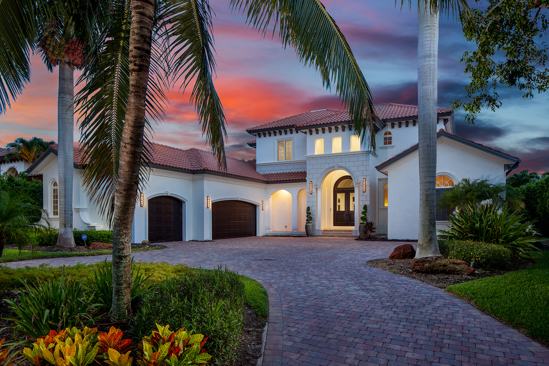 Single Family Homes voor Verkoop op 600 Riviera Drive Napels, Florida 34103 Verenigde Staten