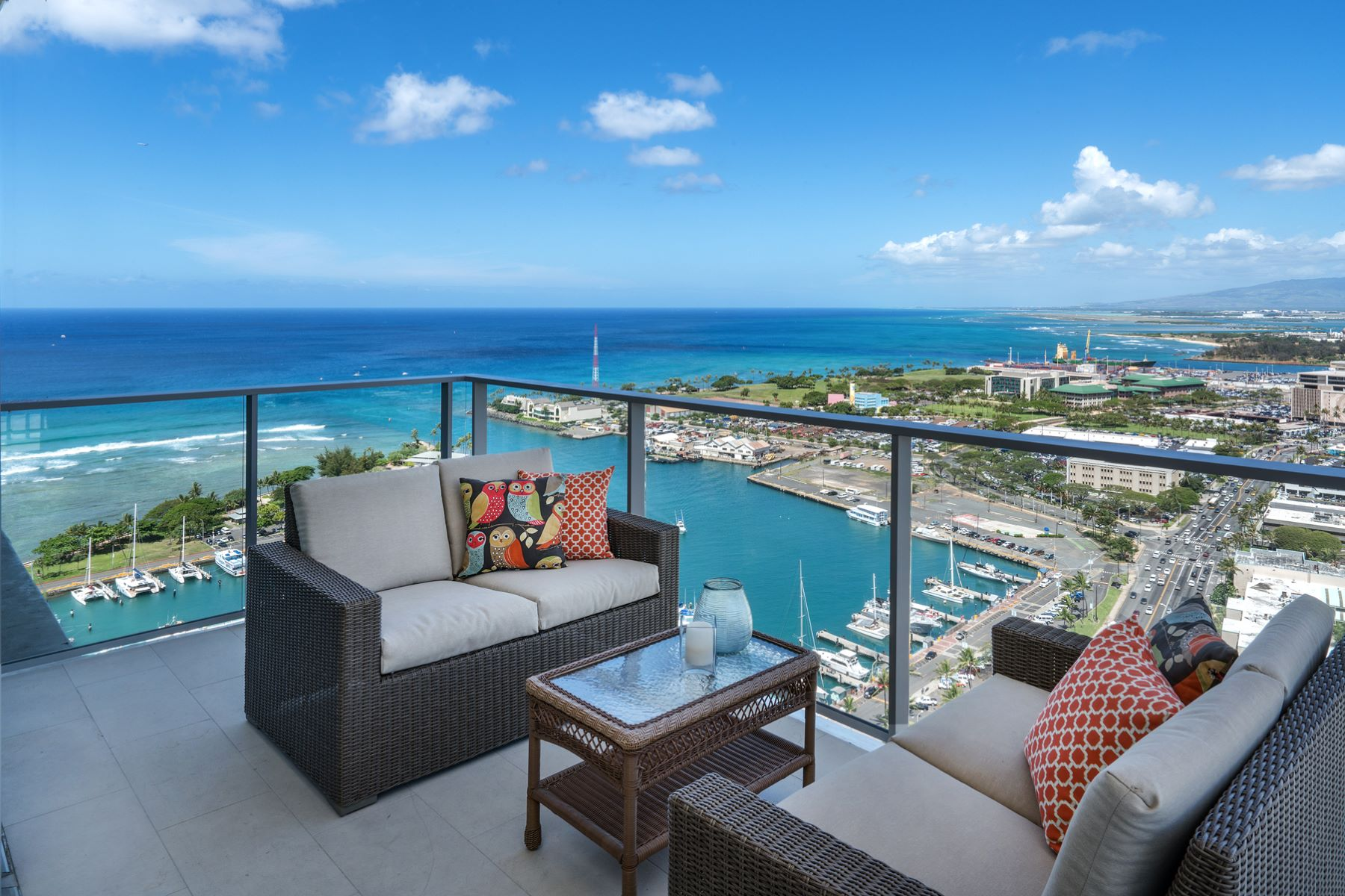 Additional photo for property listing at Stunning Waiea Penthouse 1118 Ala Moana Boulevard #PH 3203 Honolulu, Hawaii 96814 United States